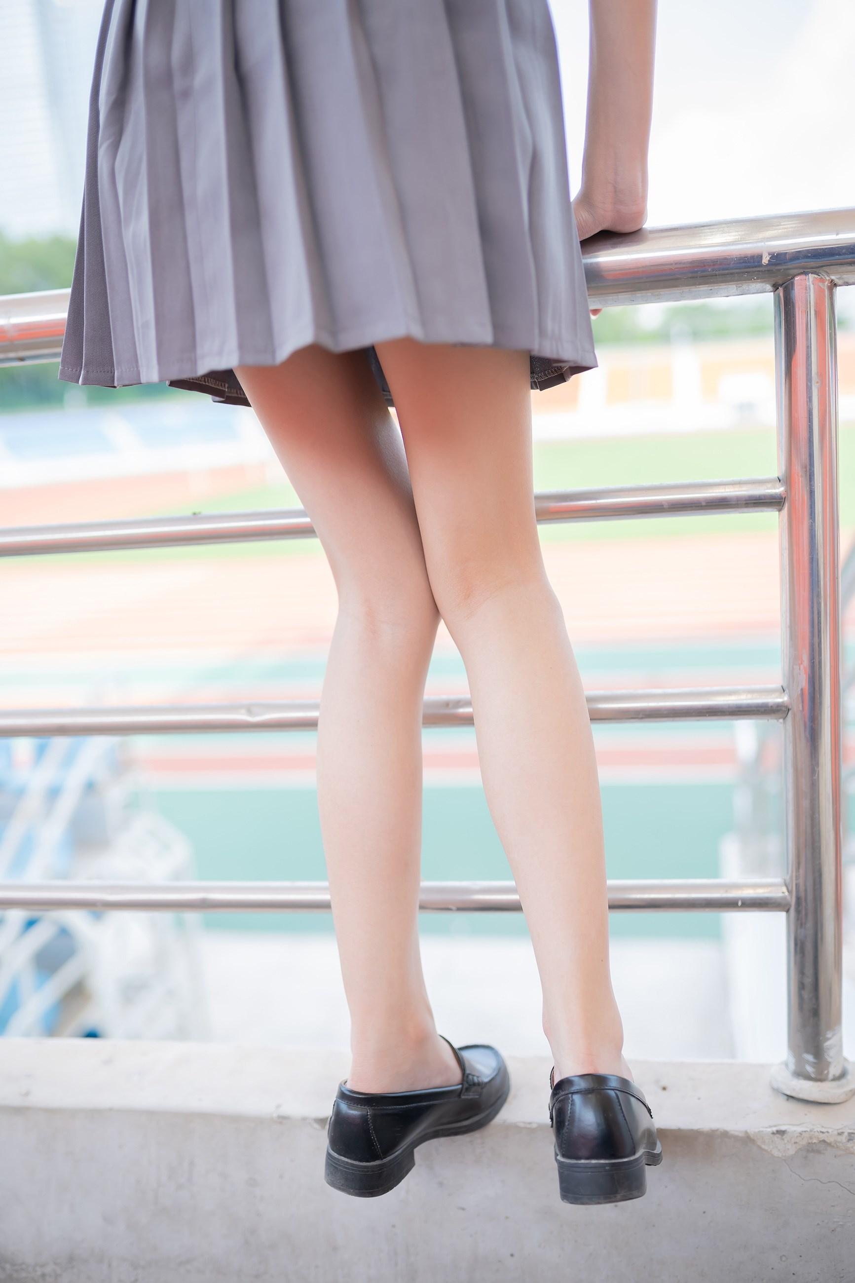 【兔玩映画】看台上的果腿少女 兔玩映画 第31张