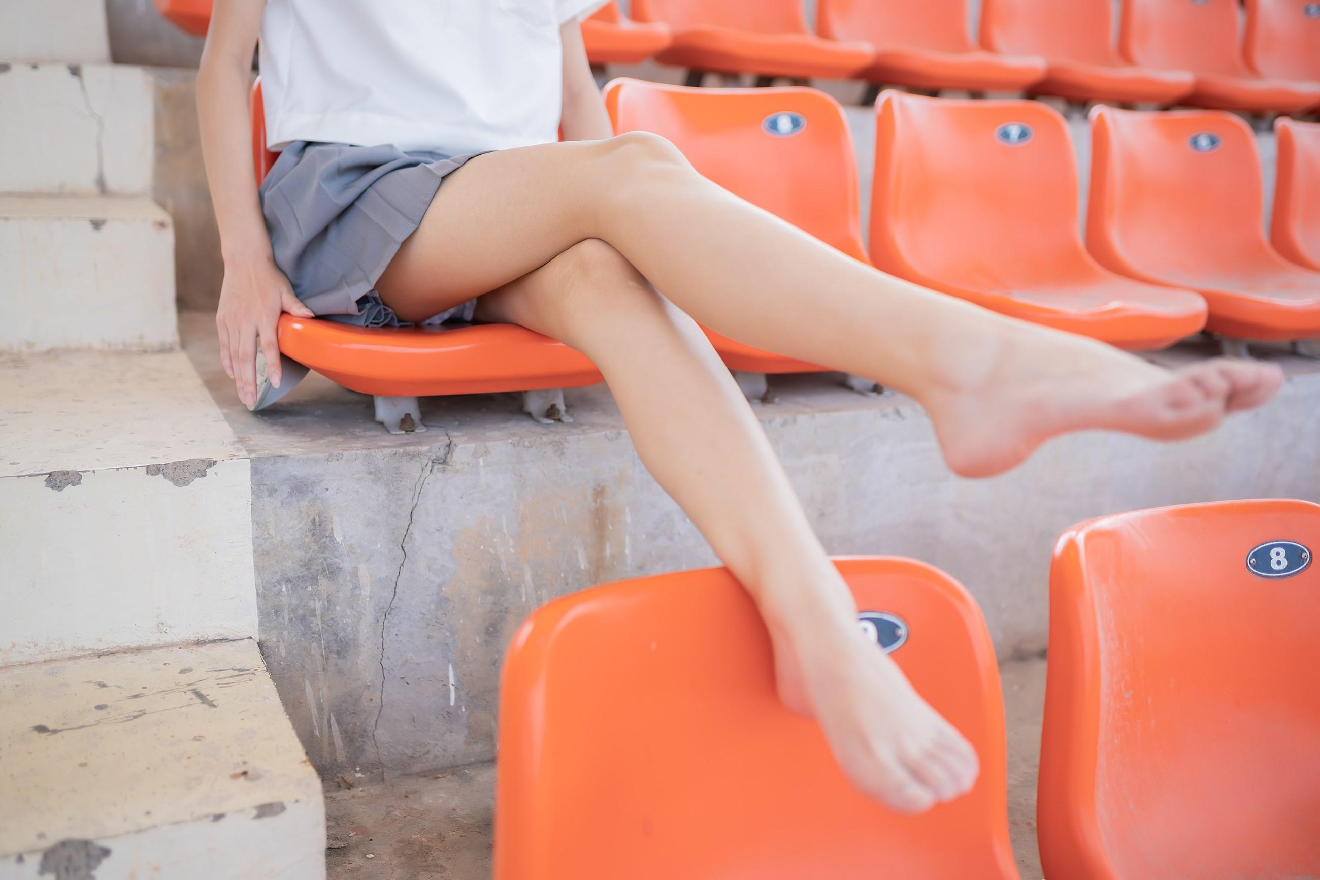 【兔玩映画】看台上的果腿少女 兔玩映画 第25张