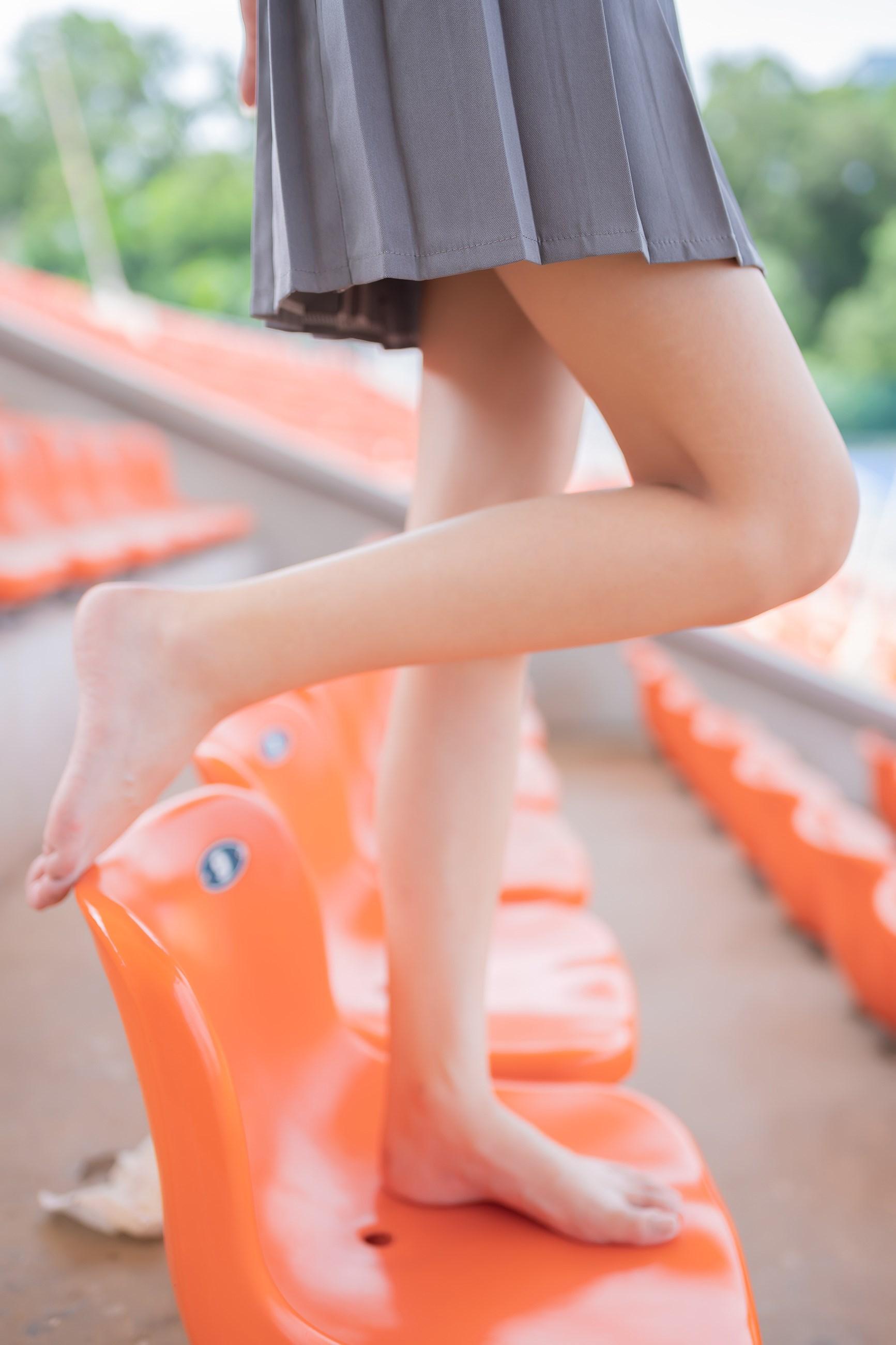 【兔玩映画】看台上的果腿少女 兔玩映画 第14张