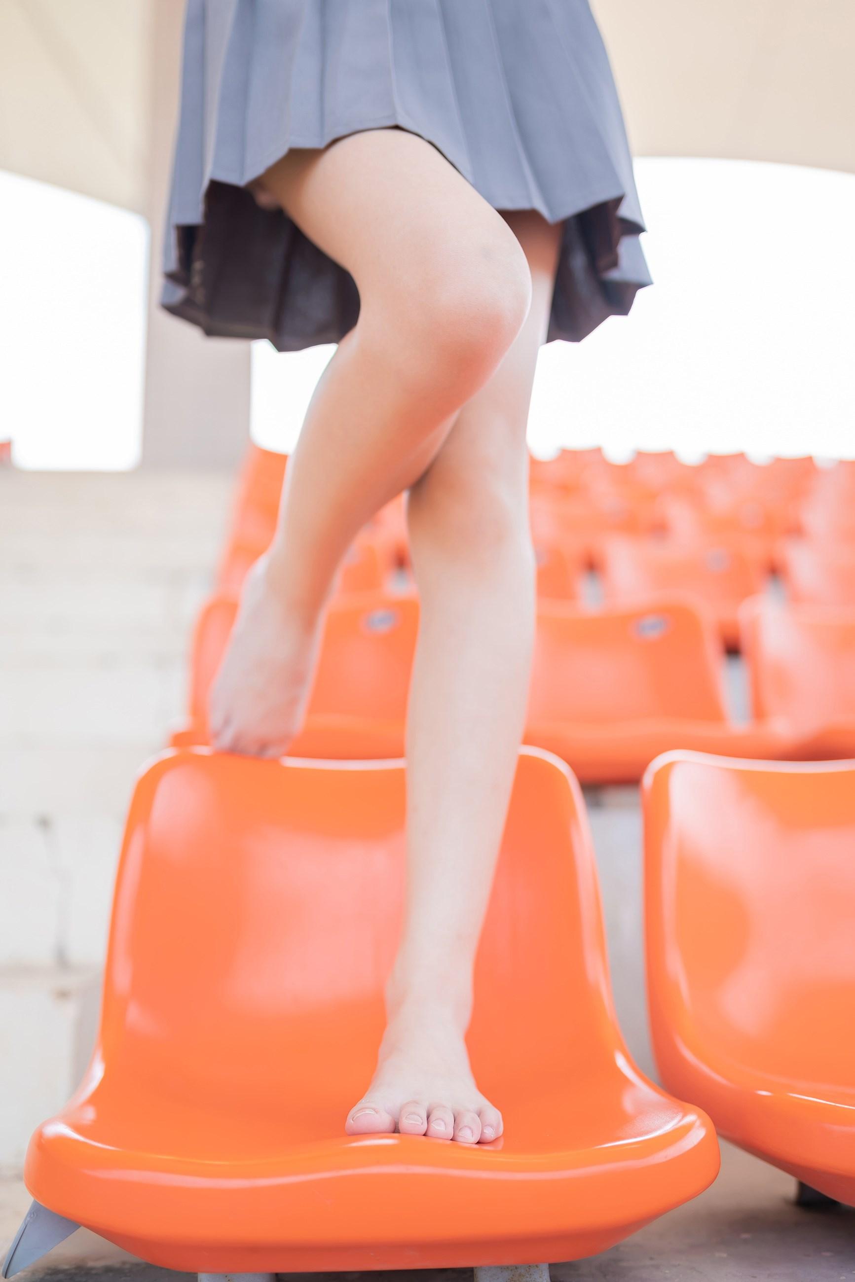 【兔玩映画】看台上的果腿少女 兔玩映画 第13张