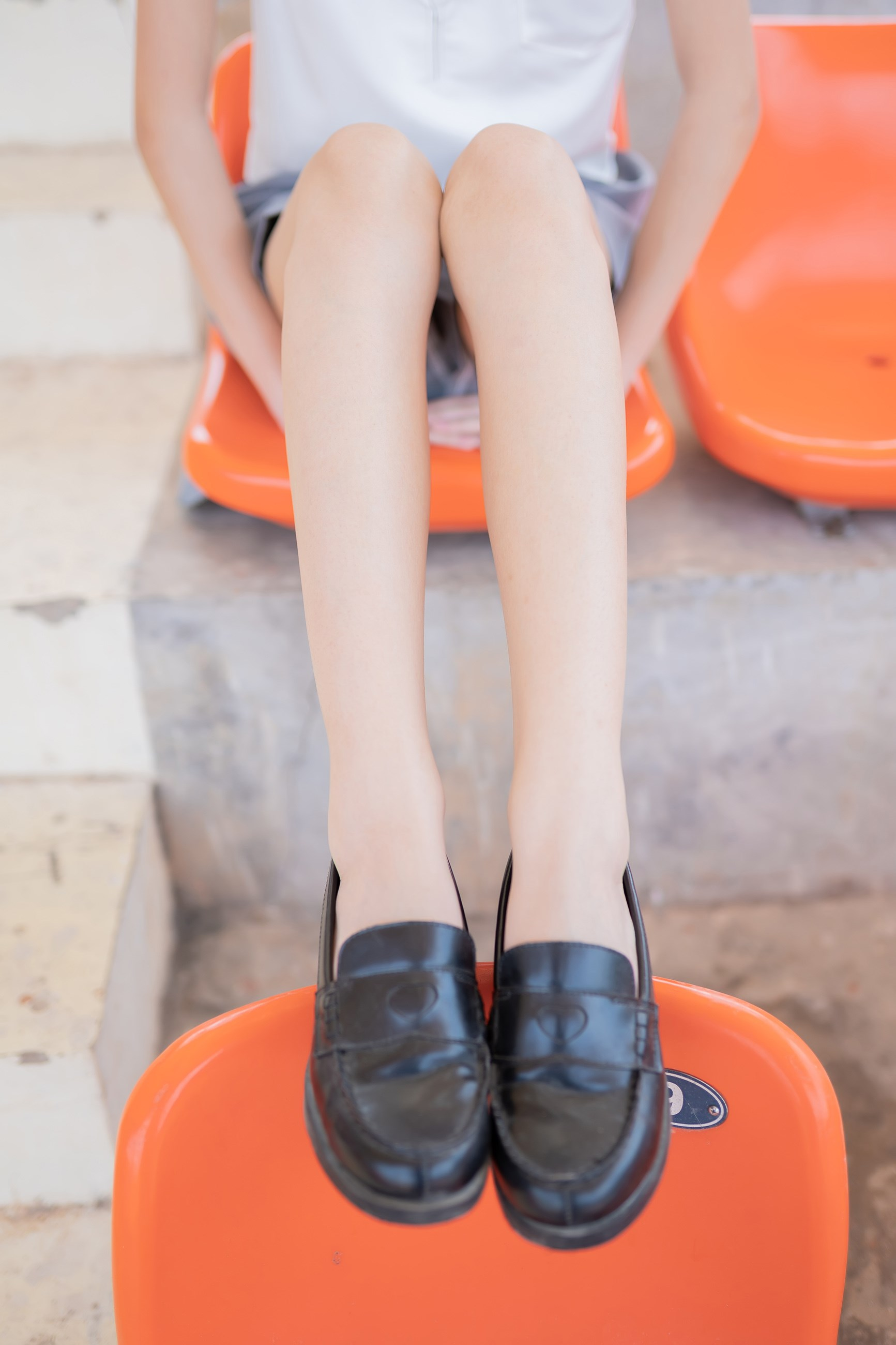 【兔玩映画】看台上的果腿少女 兔玩映画 第9张
