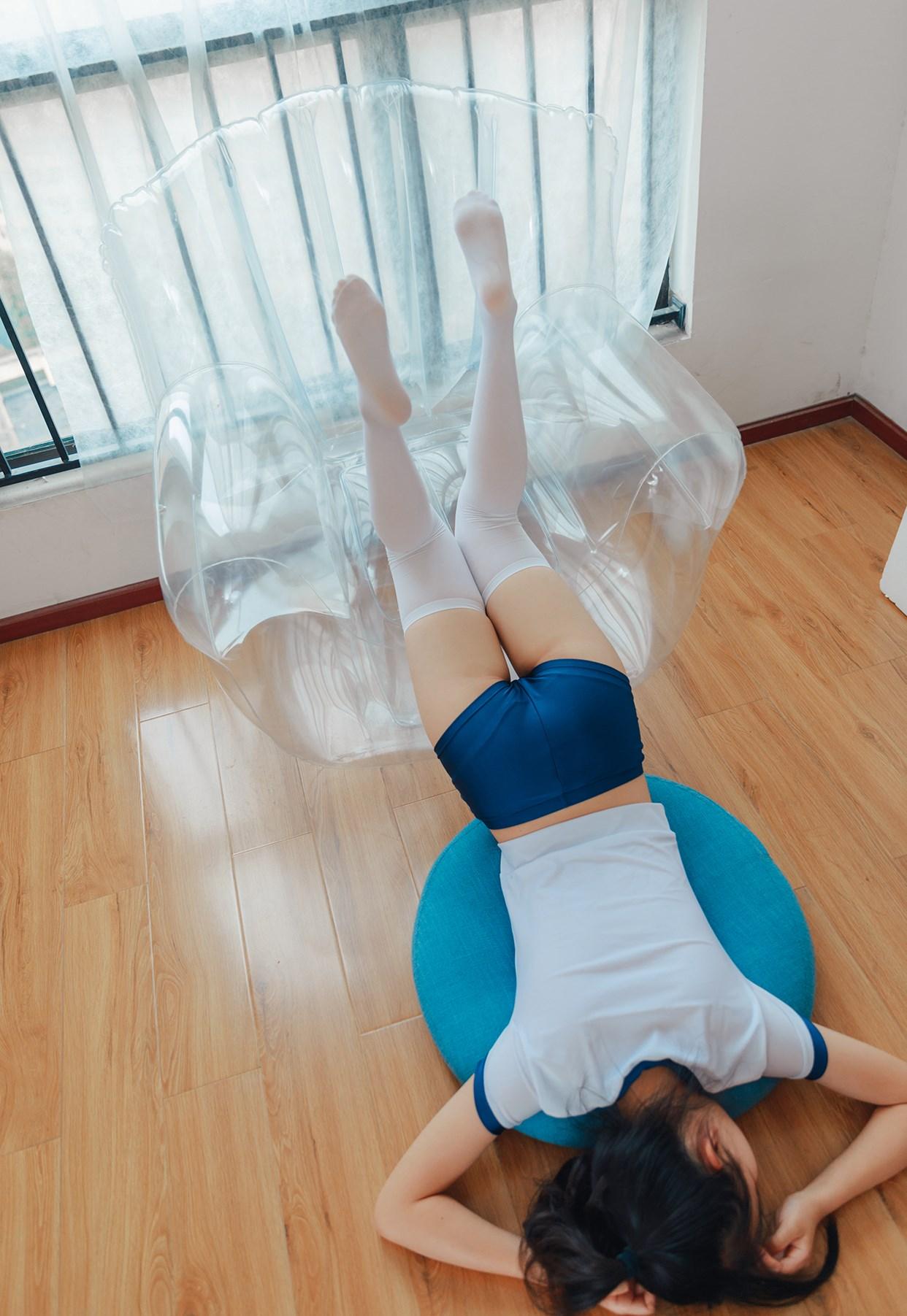 【兔玩映画】透明椅上的白丝! 兔玩映画 第45张