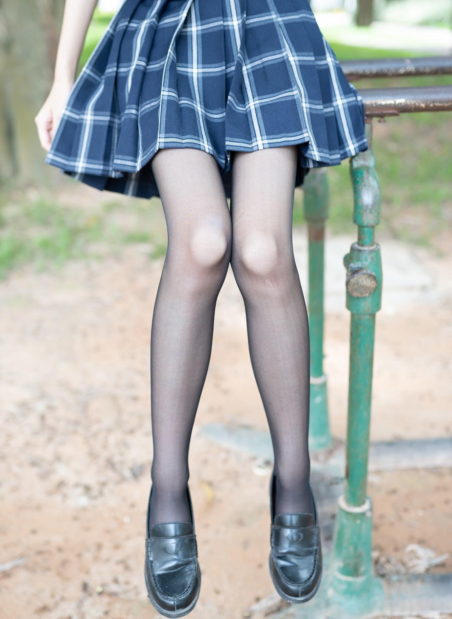 【兔玩映画】格裙黑丝 兔玩映画 第1张