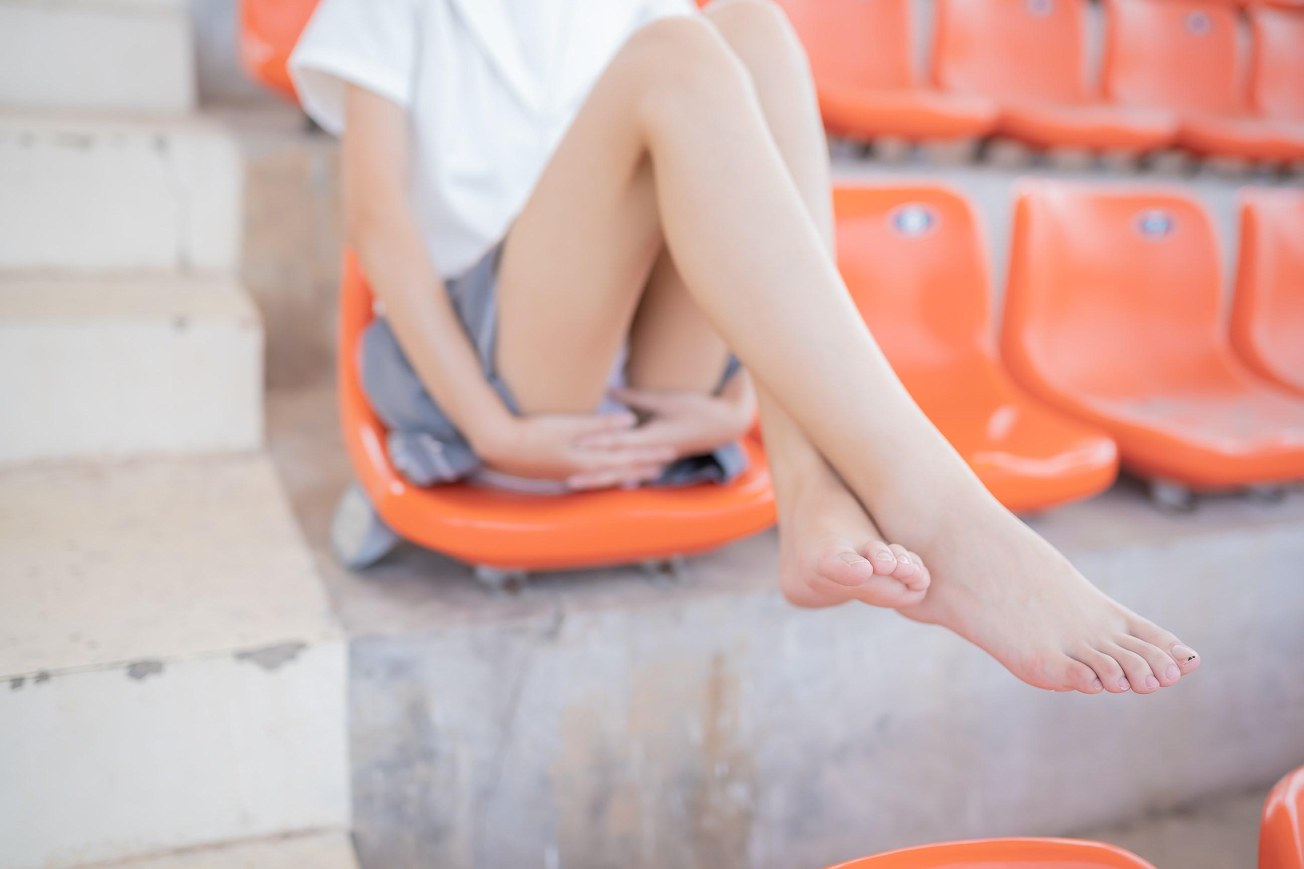 【兔玩映画】看台上的果腿少女 兔玩映画 第30张