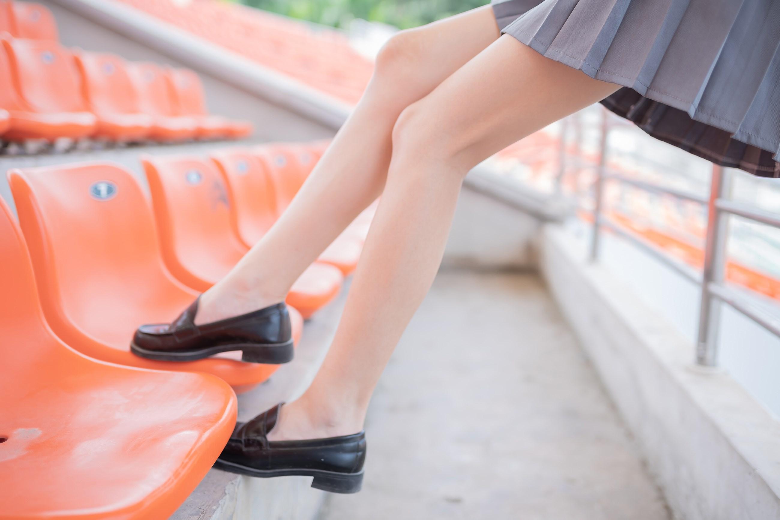 【兔玩映画】看台上的果腿少女 兔玩映画 第26张