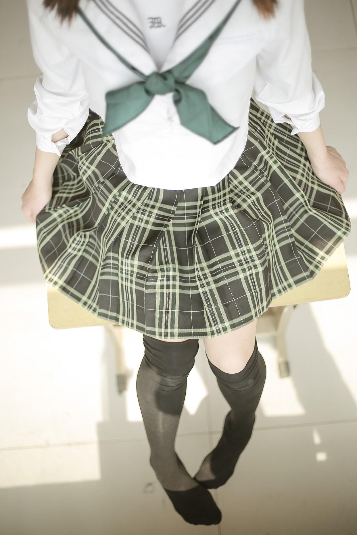 【兔玩映画】教室里的双马尾JK 兔玩映画 第35张