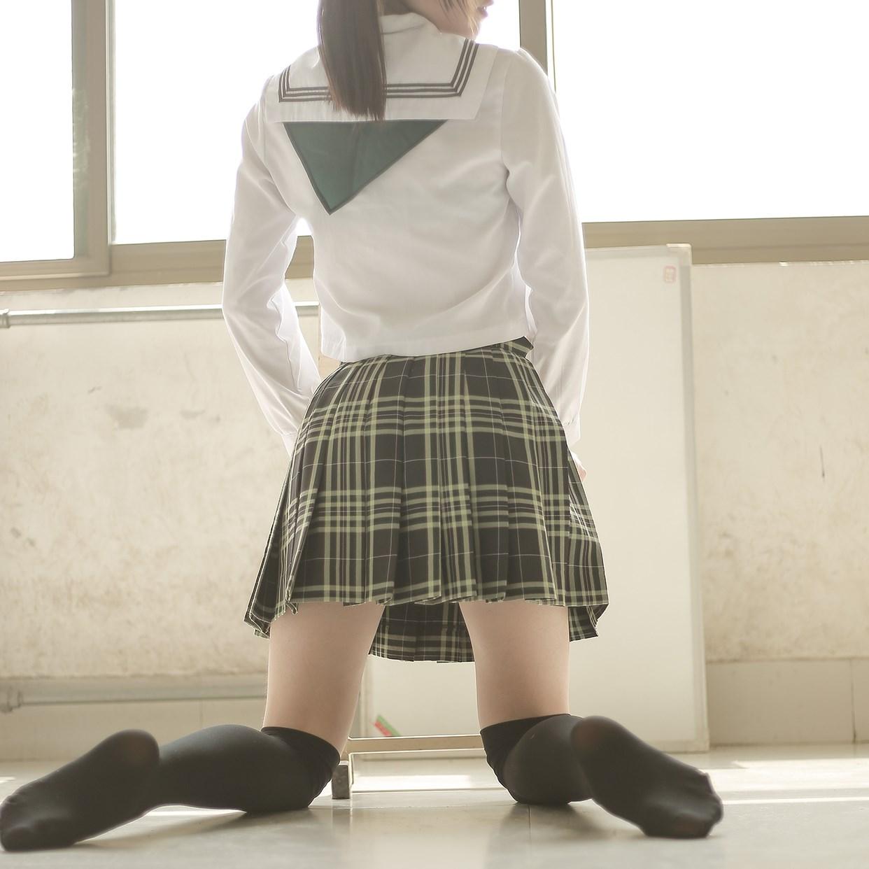 【兔玩映画】教室里的双马尾JK 兔玩映画 第30张