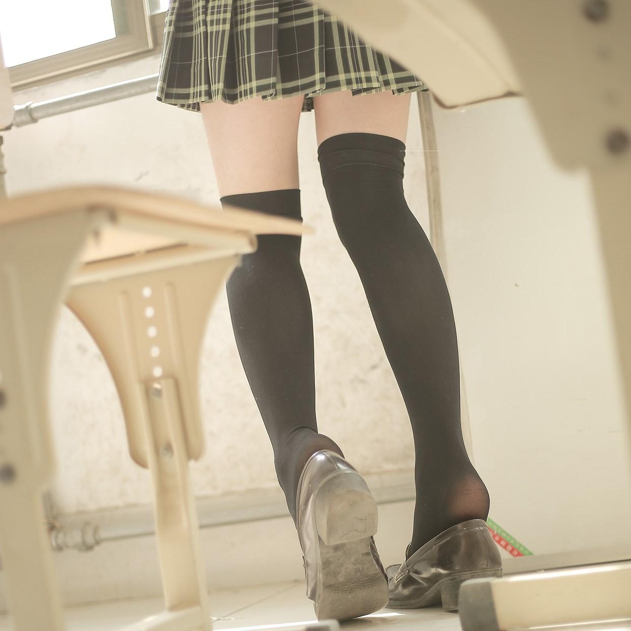 【兔玩映画】教室里的双马尾JK 兔玩映画 第21张