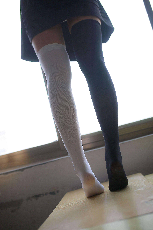 【兔玩映画】教室里的美腿诱惑 兔玩映画 第13张