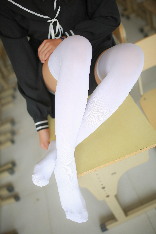【兔玩映画】教室里的美腿诱惑 兔玩映画 第7张