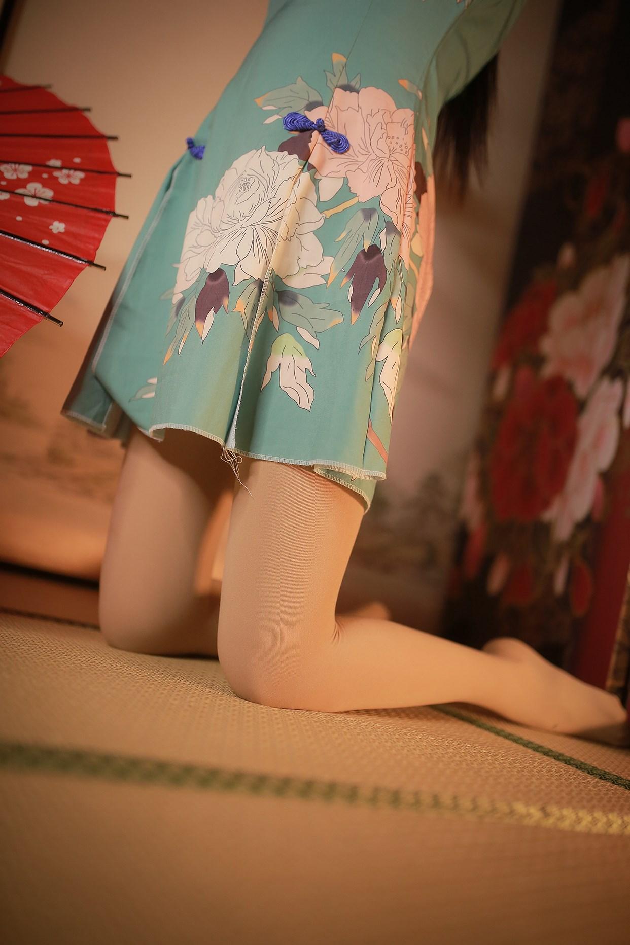 【兔玩映画】伞下的旗袍少女 兔玩映画 第1张