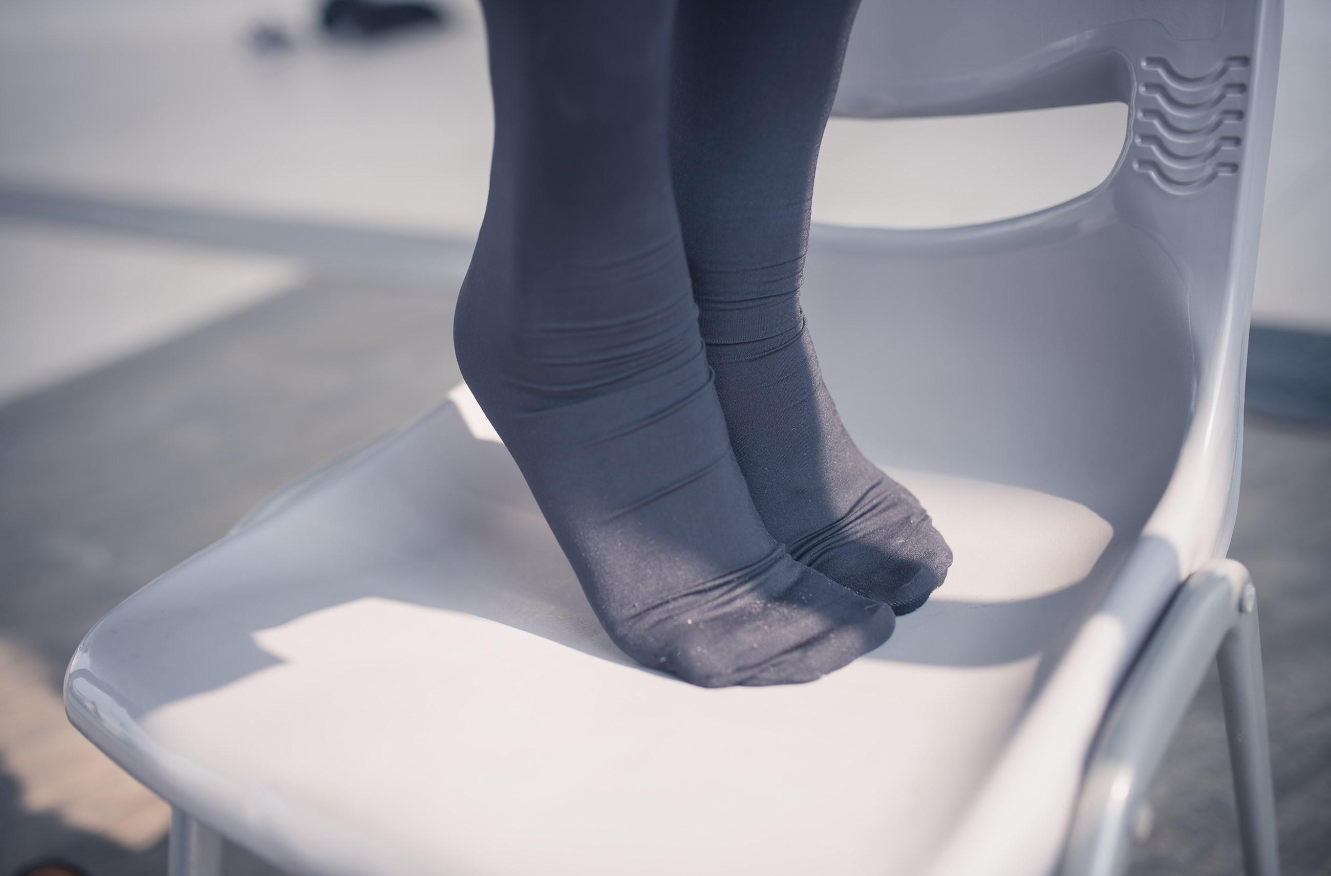 【兔玩映画】黑丝过膝袜 兔玩映画 第15张