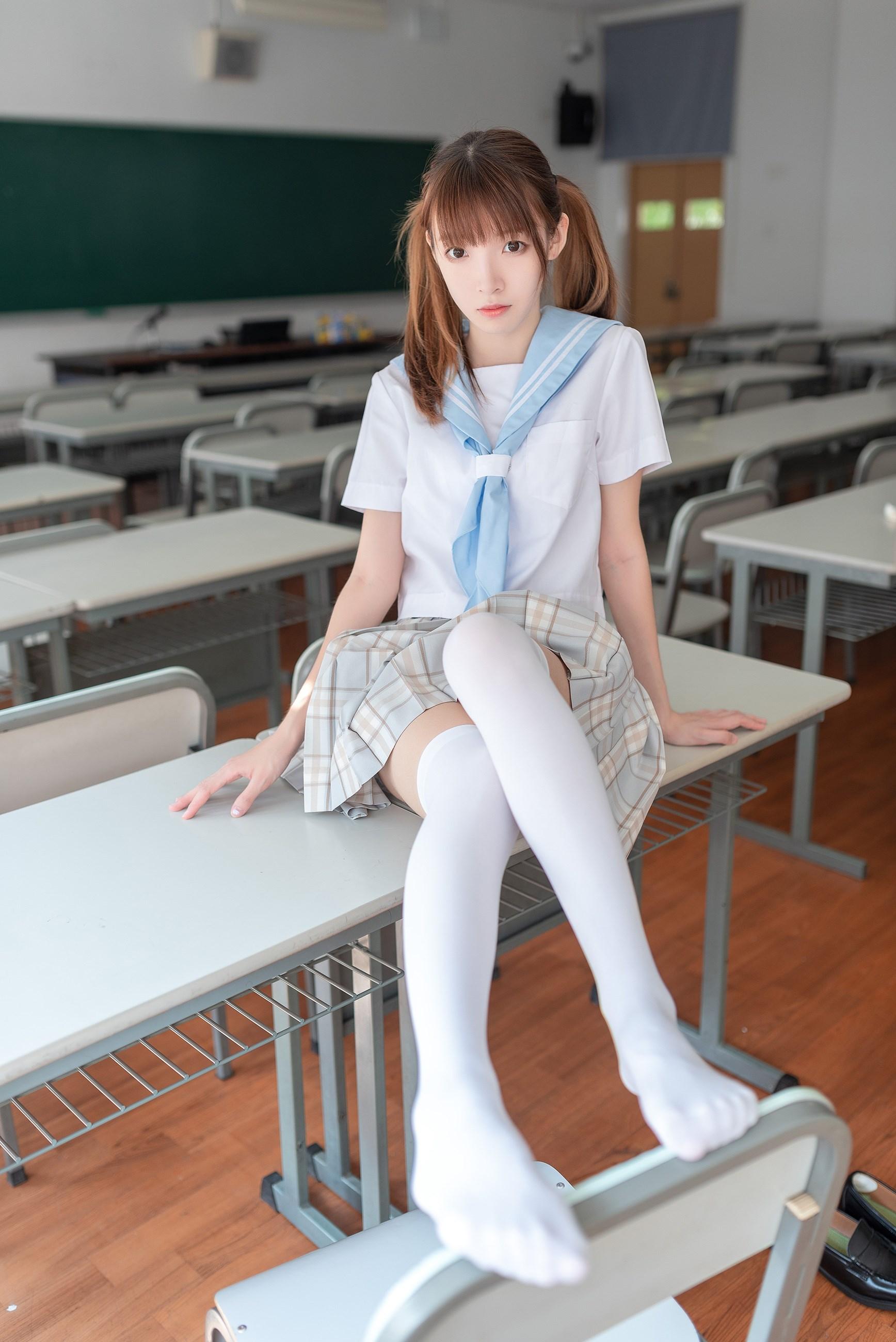 【兔玩映画】不要躺在课桌上 兔玩映画 第1张