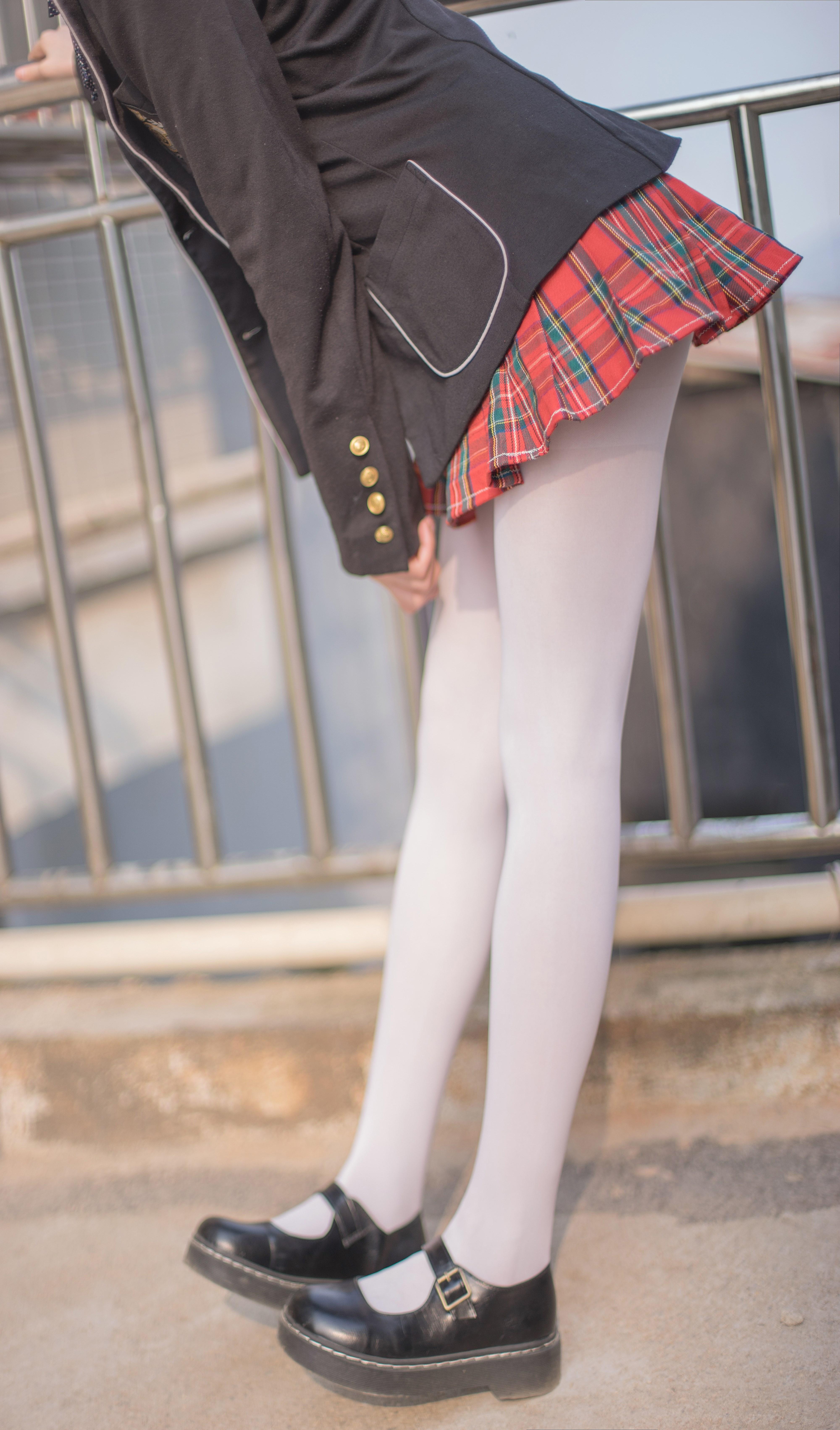 【兔玩映画】白丝萝莉腿竟然这么长! 兔玩映画 第2张