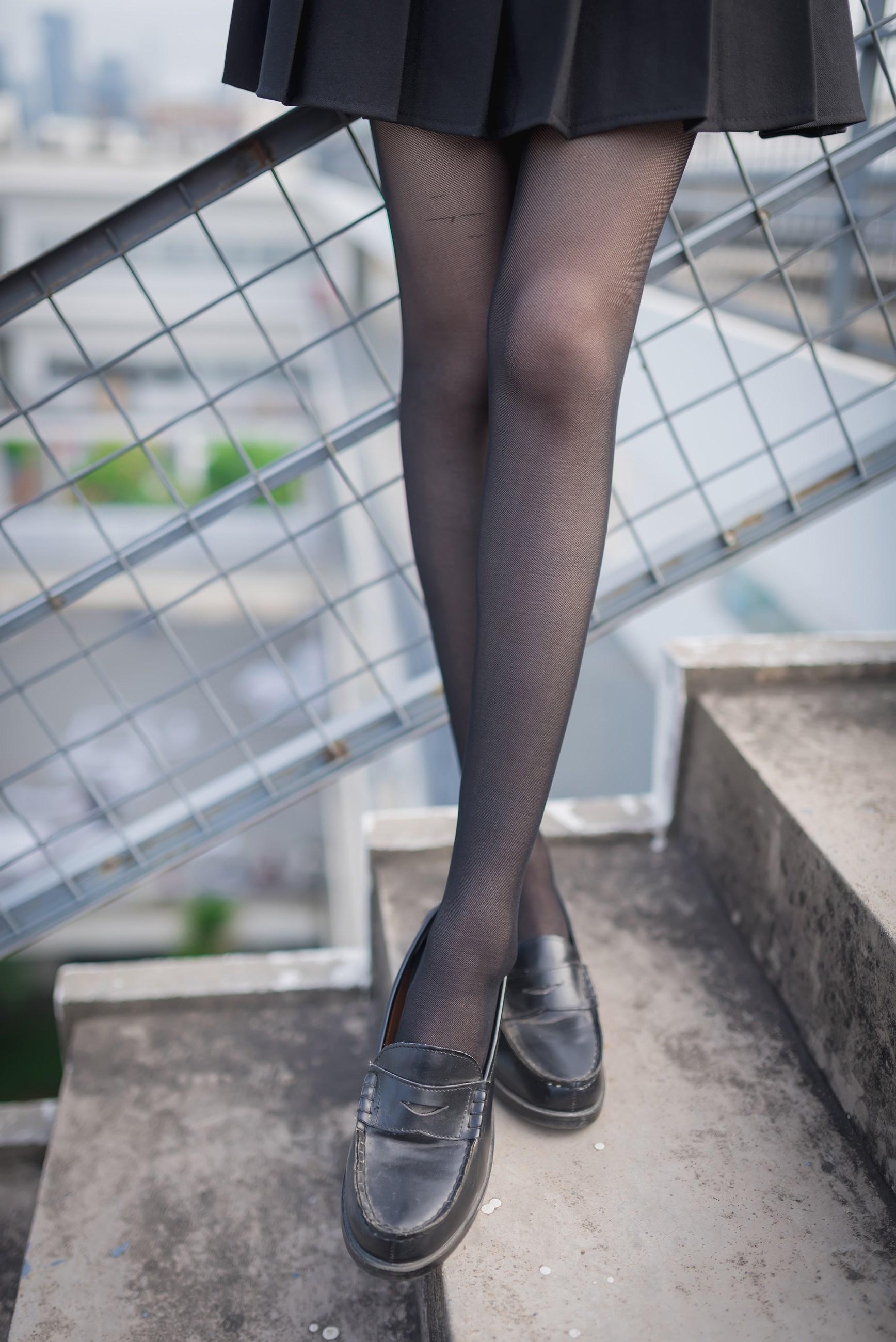 【兔玩映画】天台的黑丝少女 兔玩映画 第41张