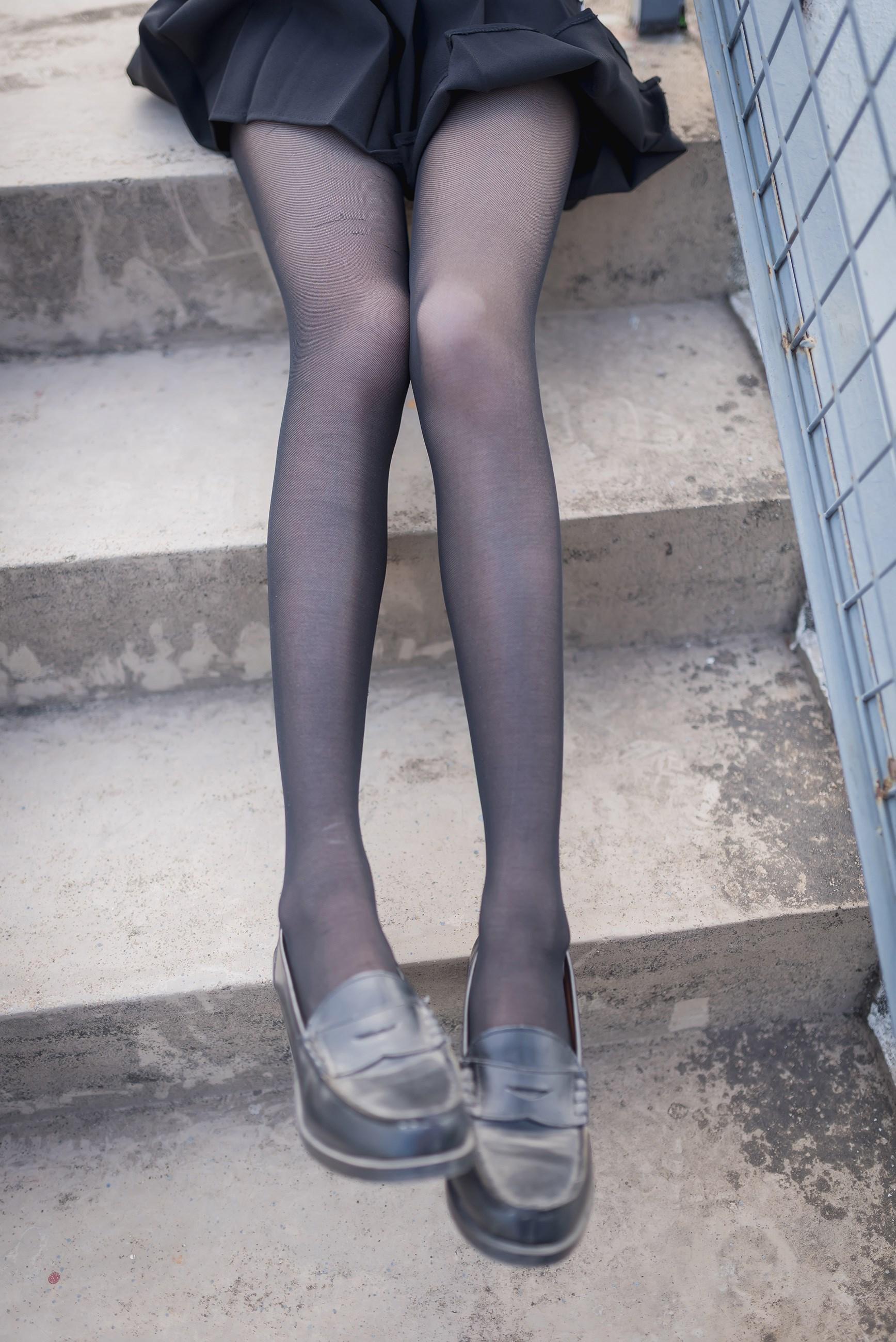 【兔玩映画】天台的黑丝少女 兔玩映画 第34张