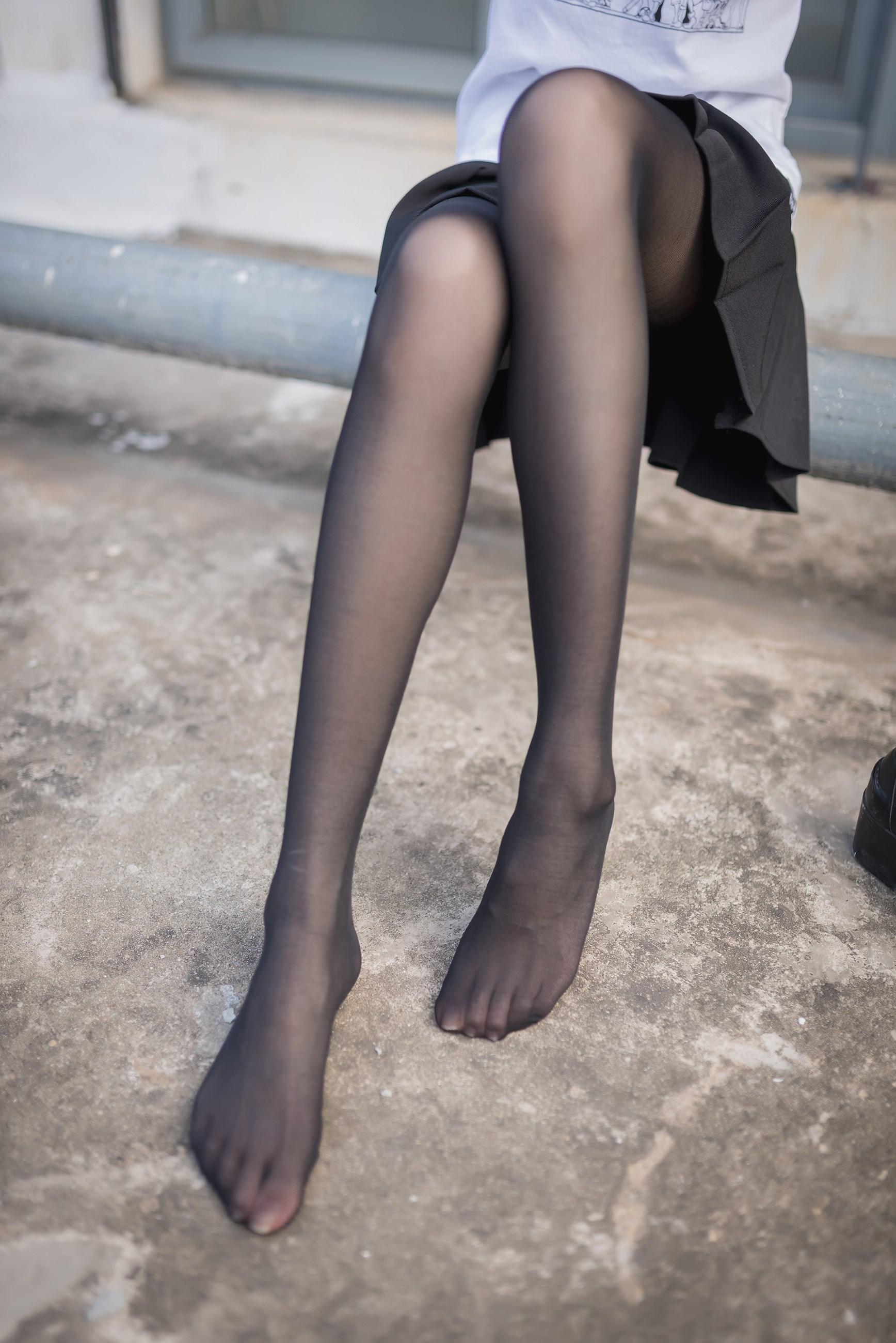 【兔玩映画】天台的黑丝少女 兔玩映画 第30张