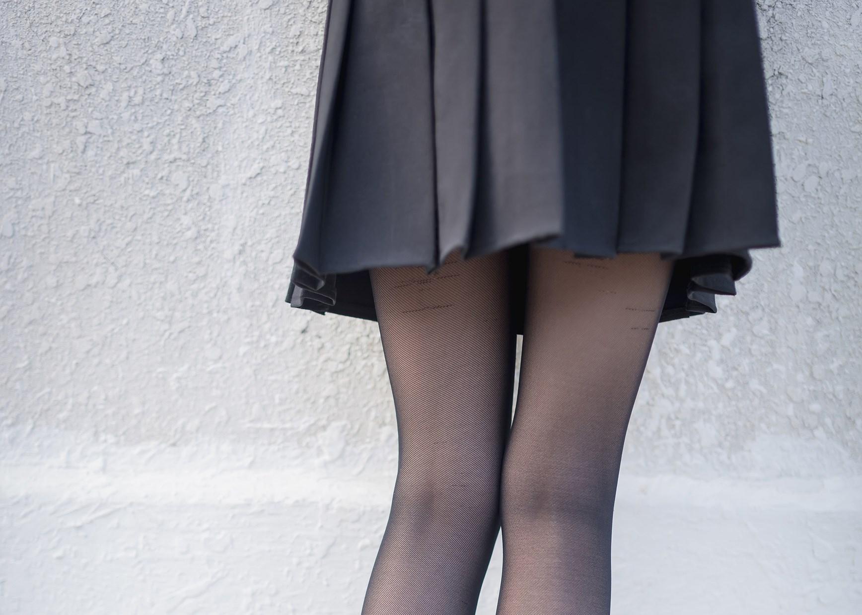 【兔玩映画】天台的黑丝少女 兔玩映画 第27张