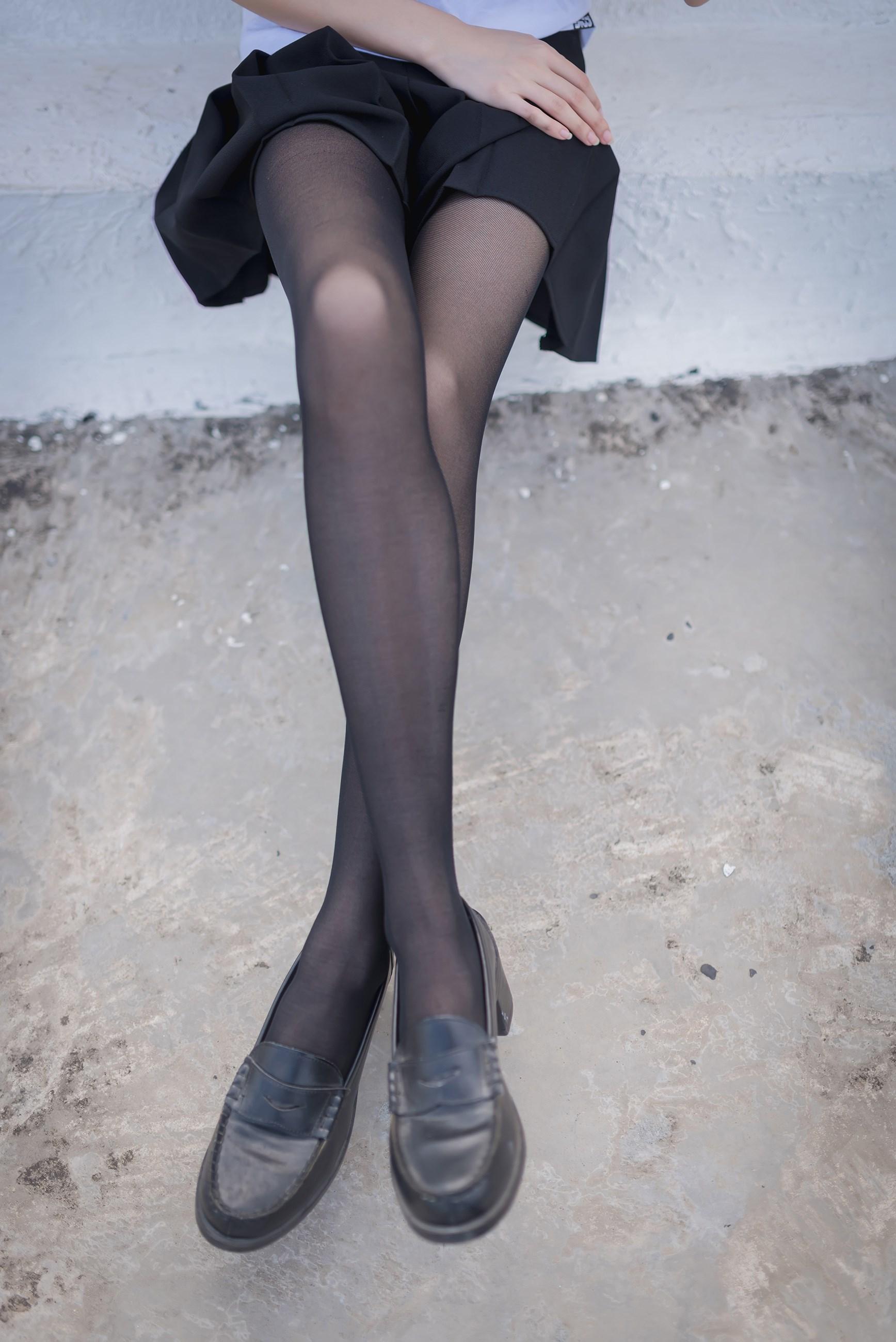 【兔玩映画】天台的黑丝少女 兔玩映画 第20张
