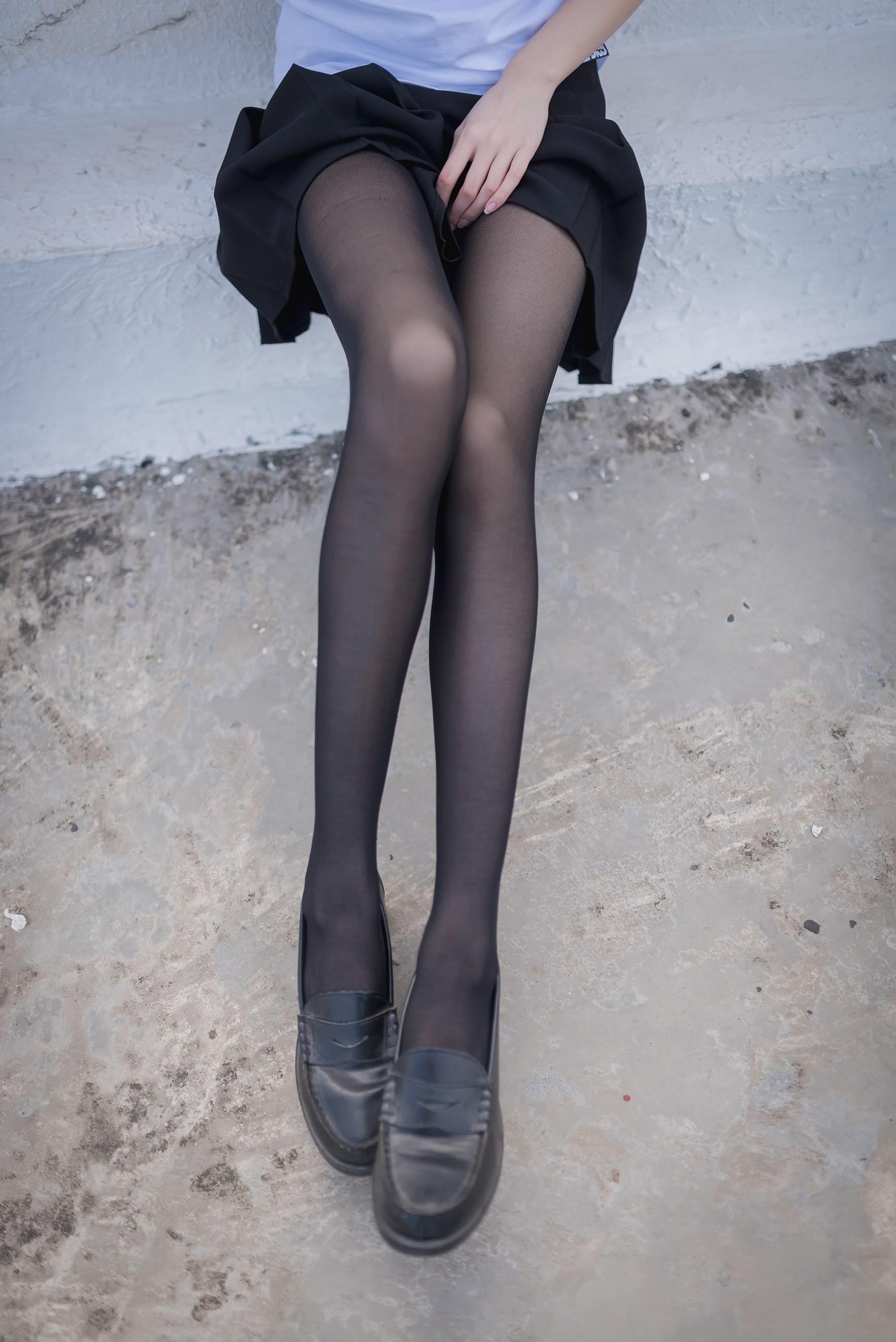 【兔玩映画】天台的黑丝少女 兔玩映画 第18张
