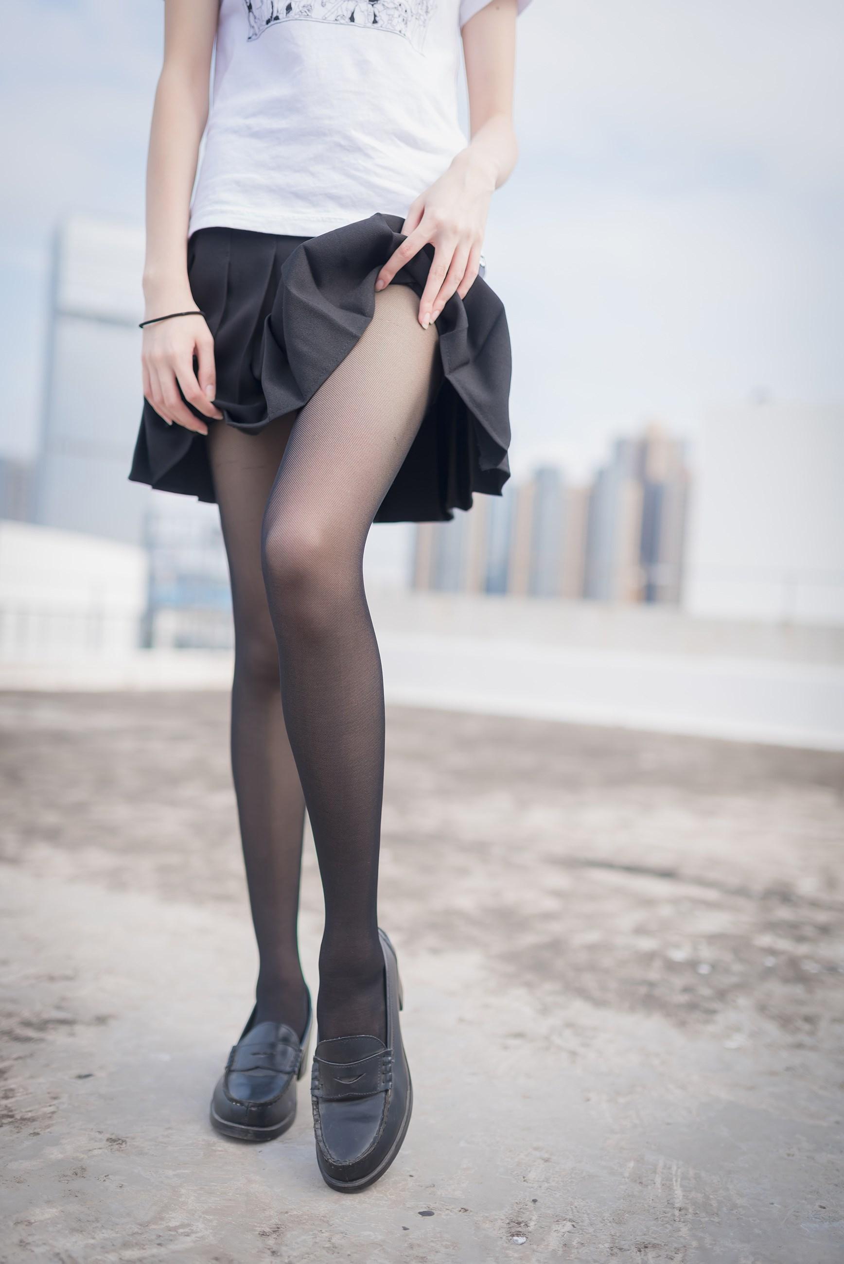 【兔玩映画】天台的黑丝少女 兔玩映画 第12张