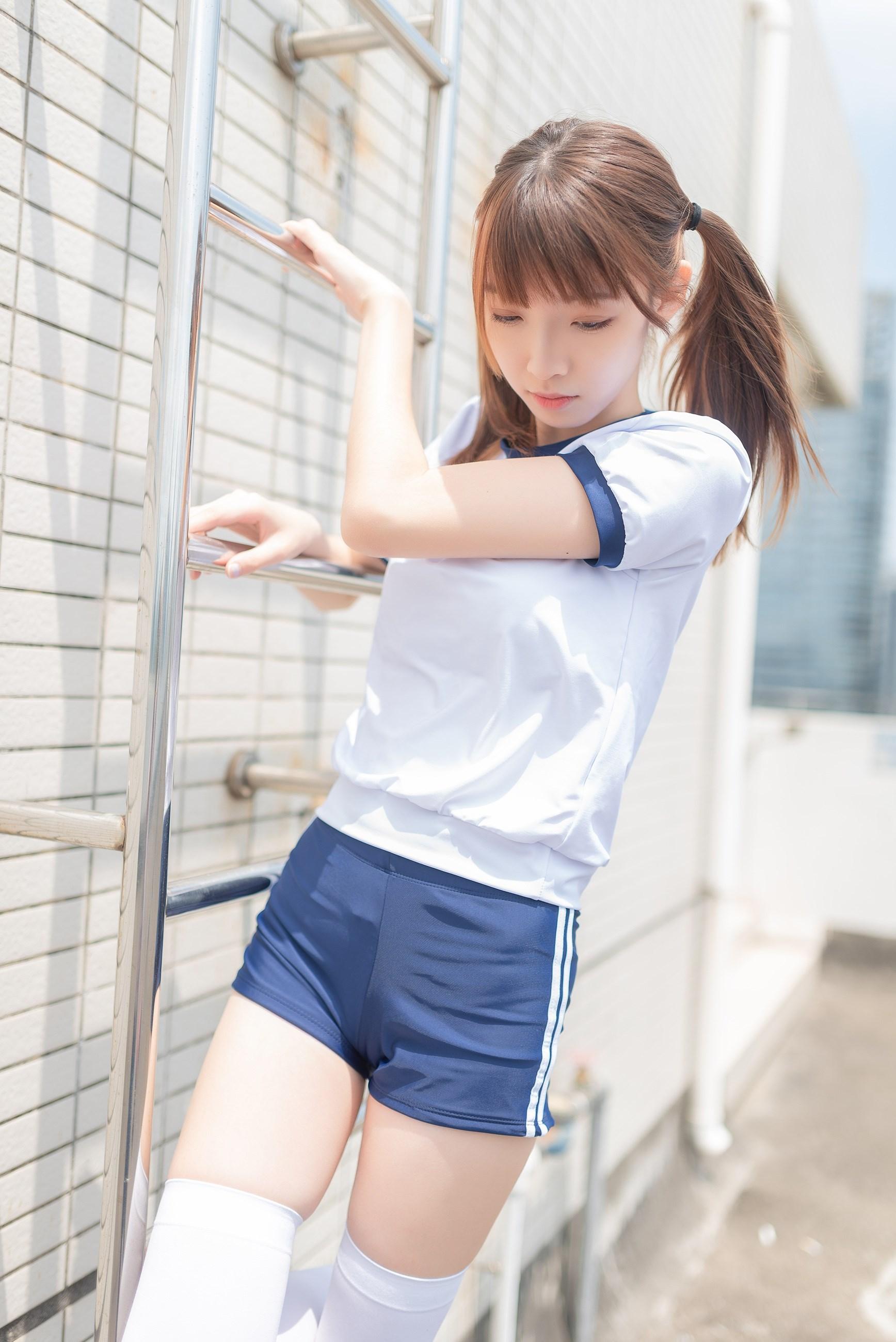 【兔玩映画】在教室门前穿体操服 兔玩映画 第4张