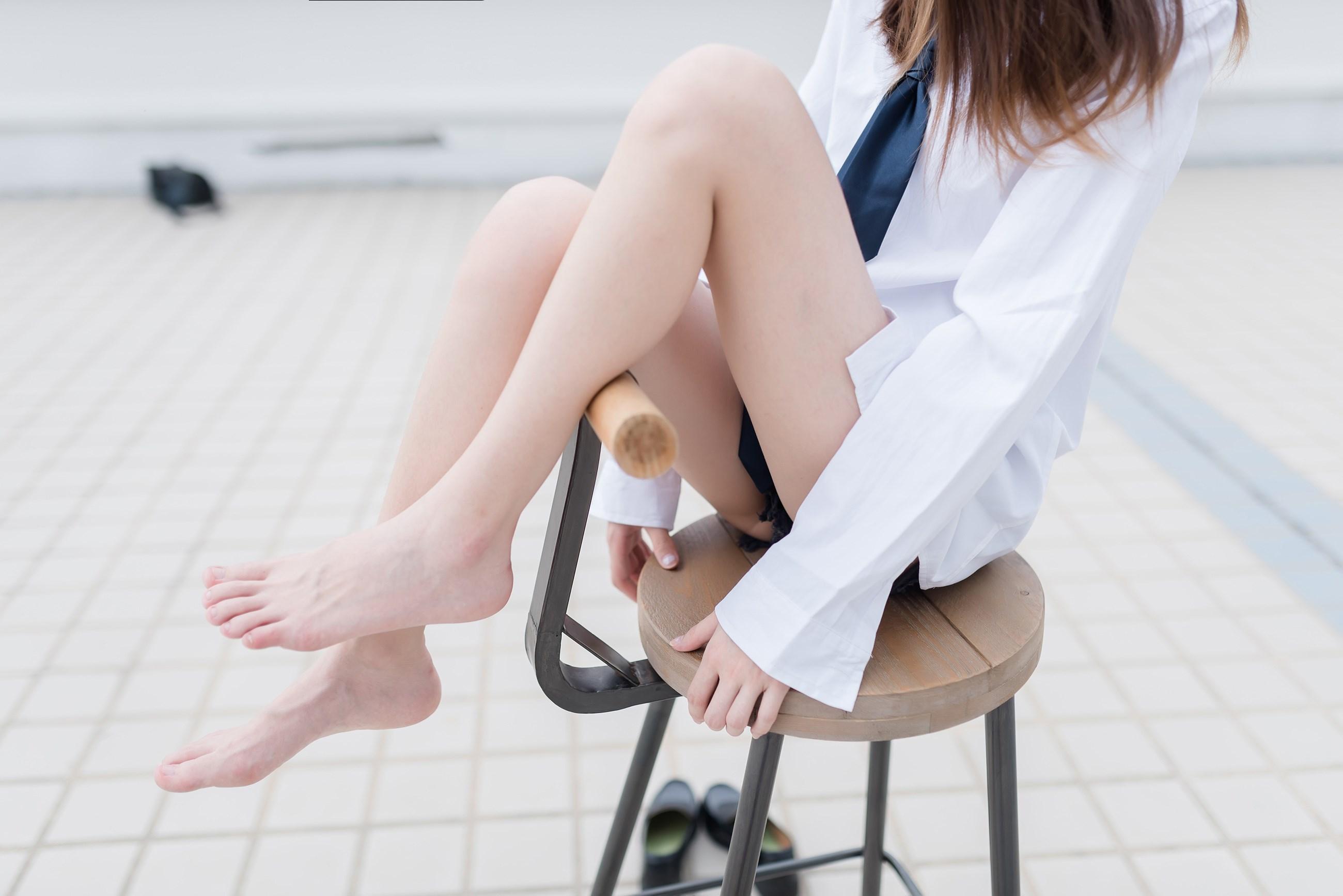 【兔玩映画】裸脚白衬衫 · 足控福利 兔玩映画 第38张