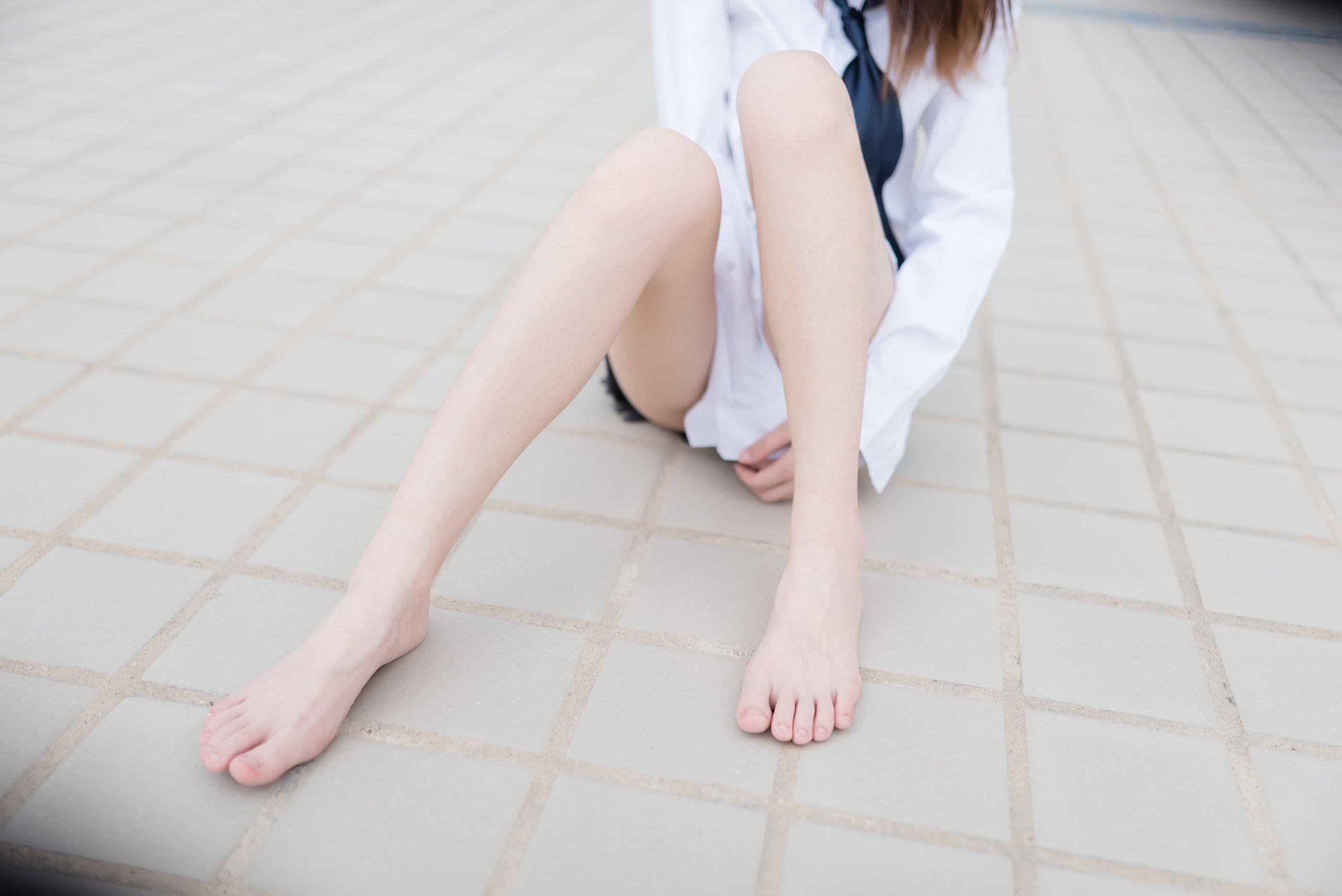 【兔玩映画】裸脚白衬衫 · 足控福利 兔玩映画 第26张