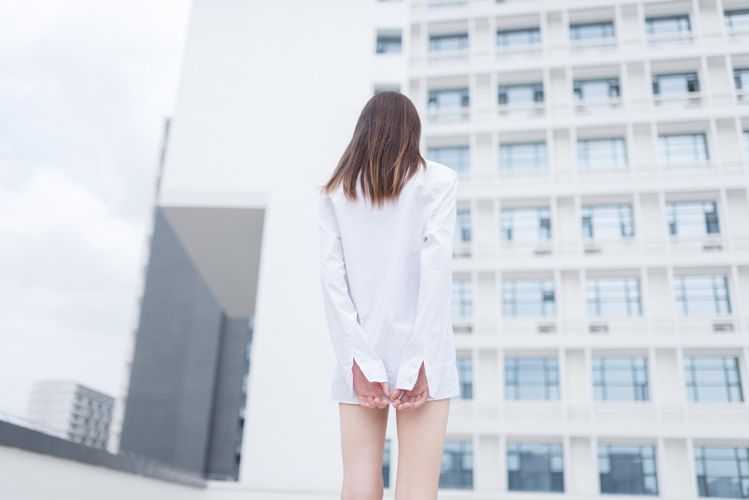 【兔玩映画】裸脚白衬衫 · 足控福利 兔玩映画 第23张
