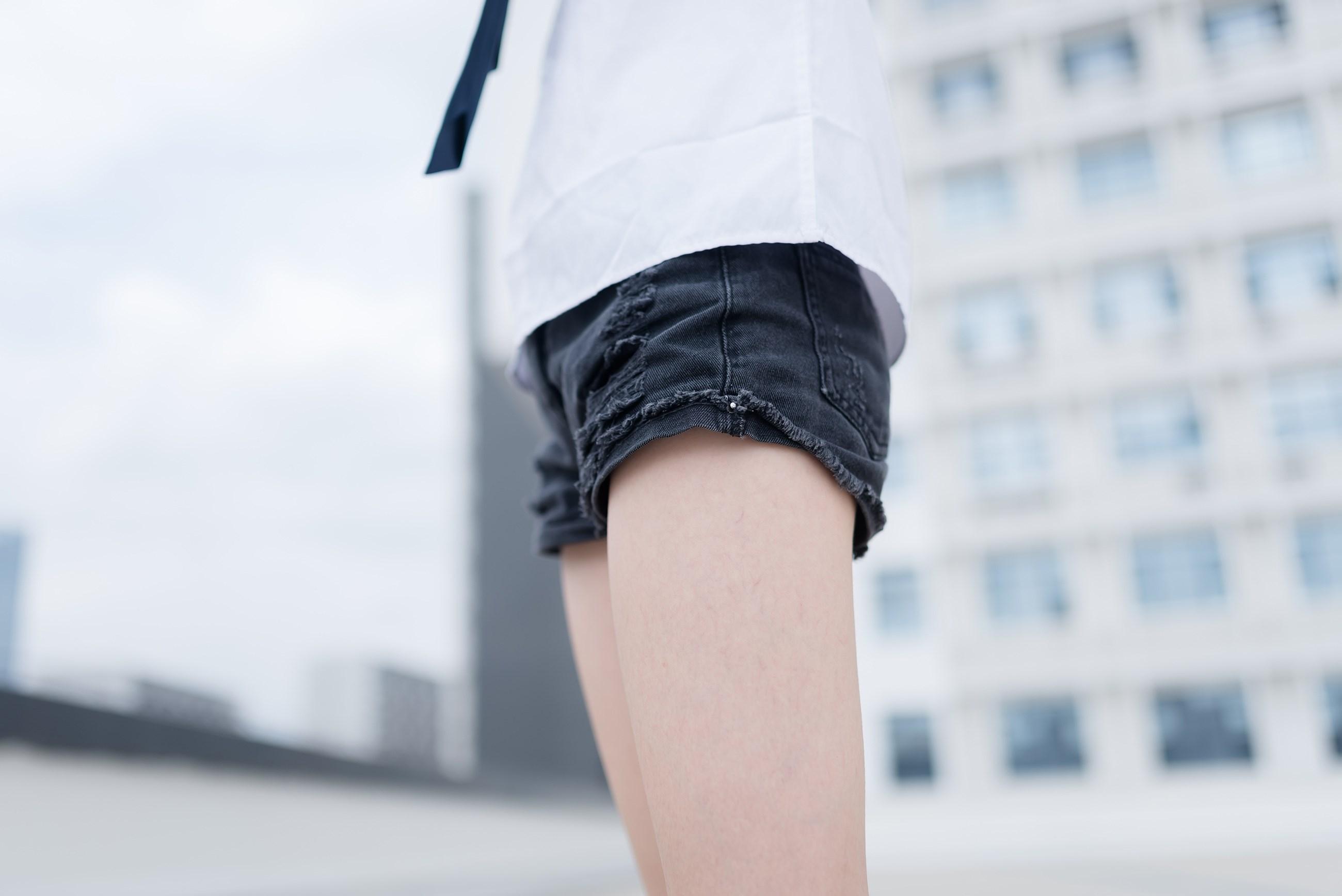 【兔玩映画】裸脚白衬衫 · 足控福利 兔玩映画 第22张