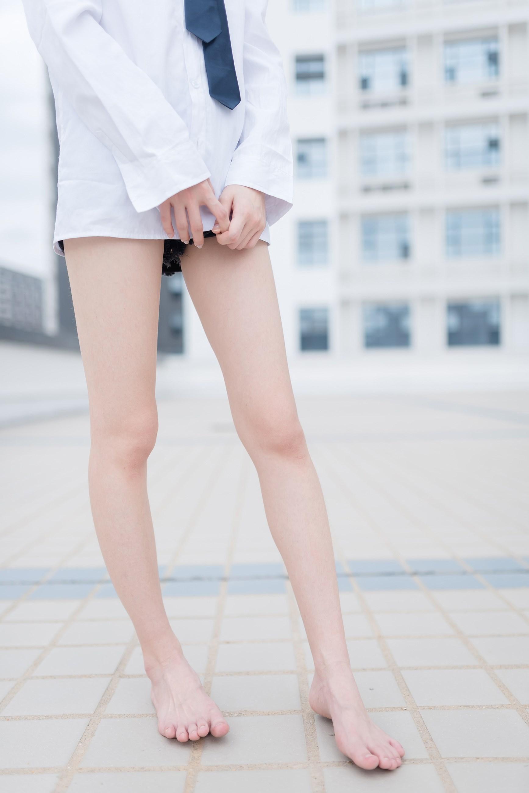 【兔玩映画】裸脚白衬衫 · 足控福利 兔玩映画 第20张
