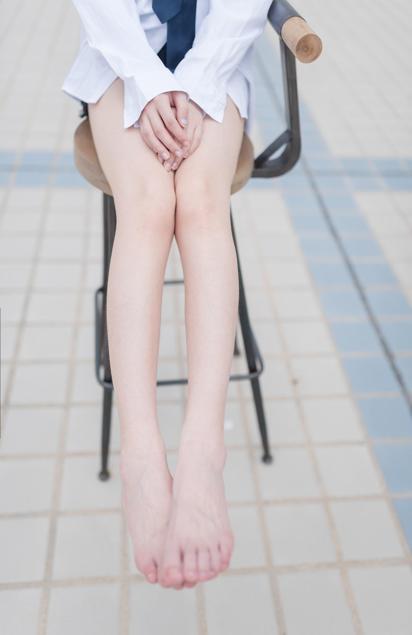 【兔玩映画】裸脚白衬衫 · 足控福利 兔玩映画 第12张