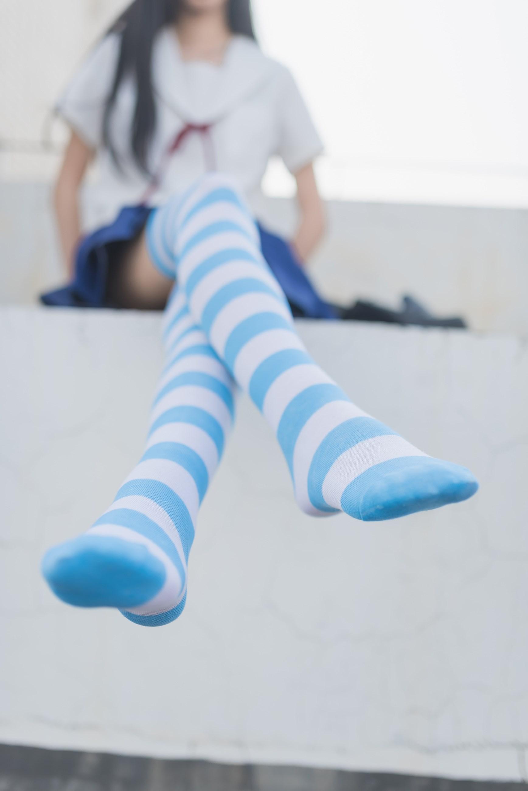 【兔玩映画】蓝白条纹的小细腿 兔玩映画 第5张
