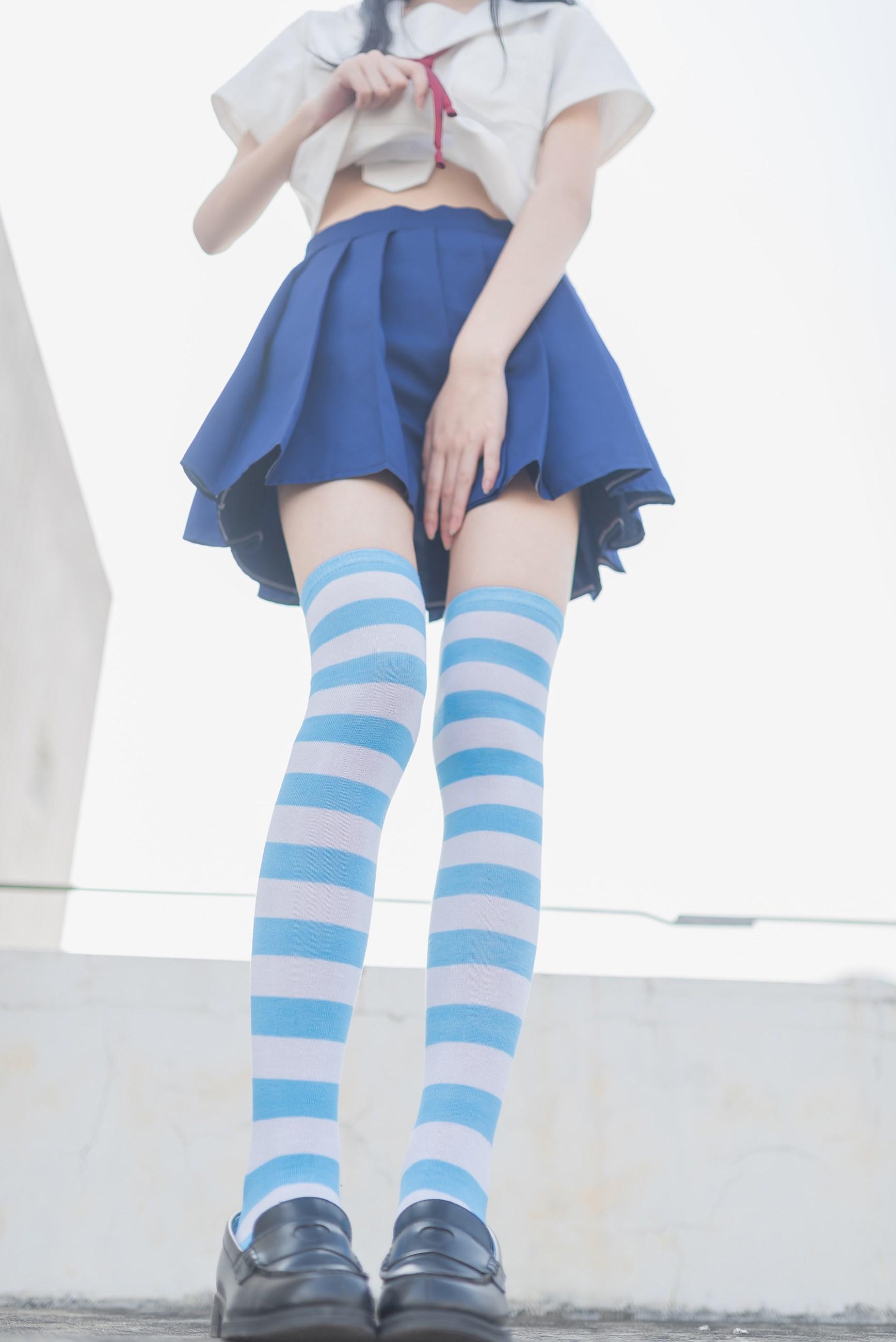 【兔玩映画】蓝白条纹的小细腿 兔玩映画 第4张