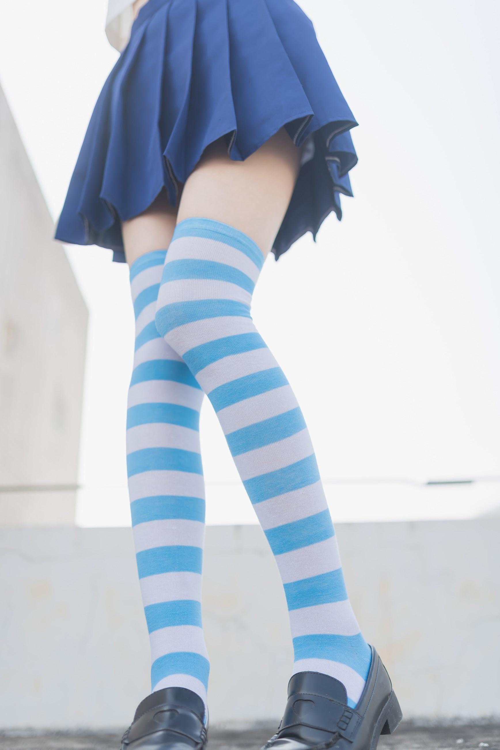 【兔玩映画】蓝白条纹的小细腿 兔玩映画 第3张