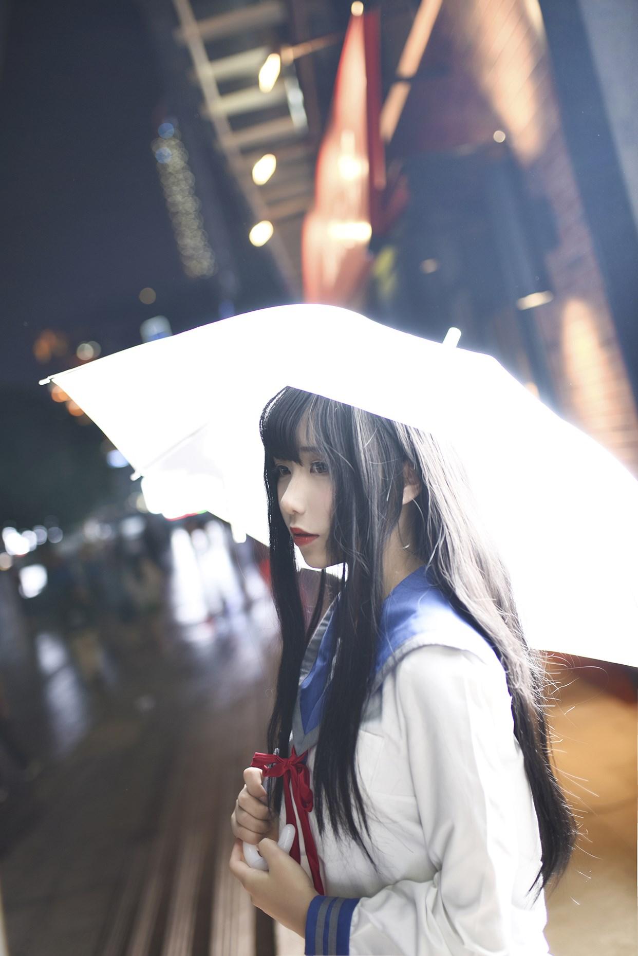 【兔玩映画】伞中少女 兔玩映画 第1张