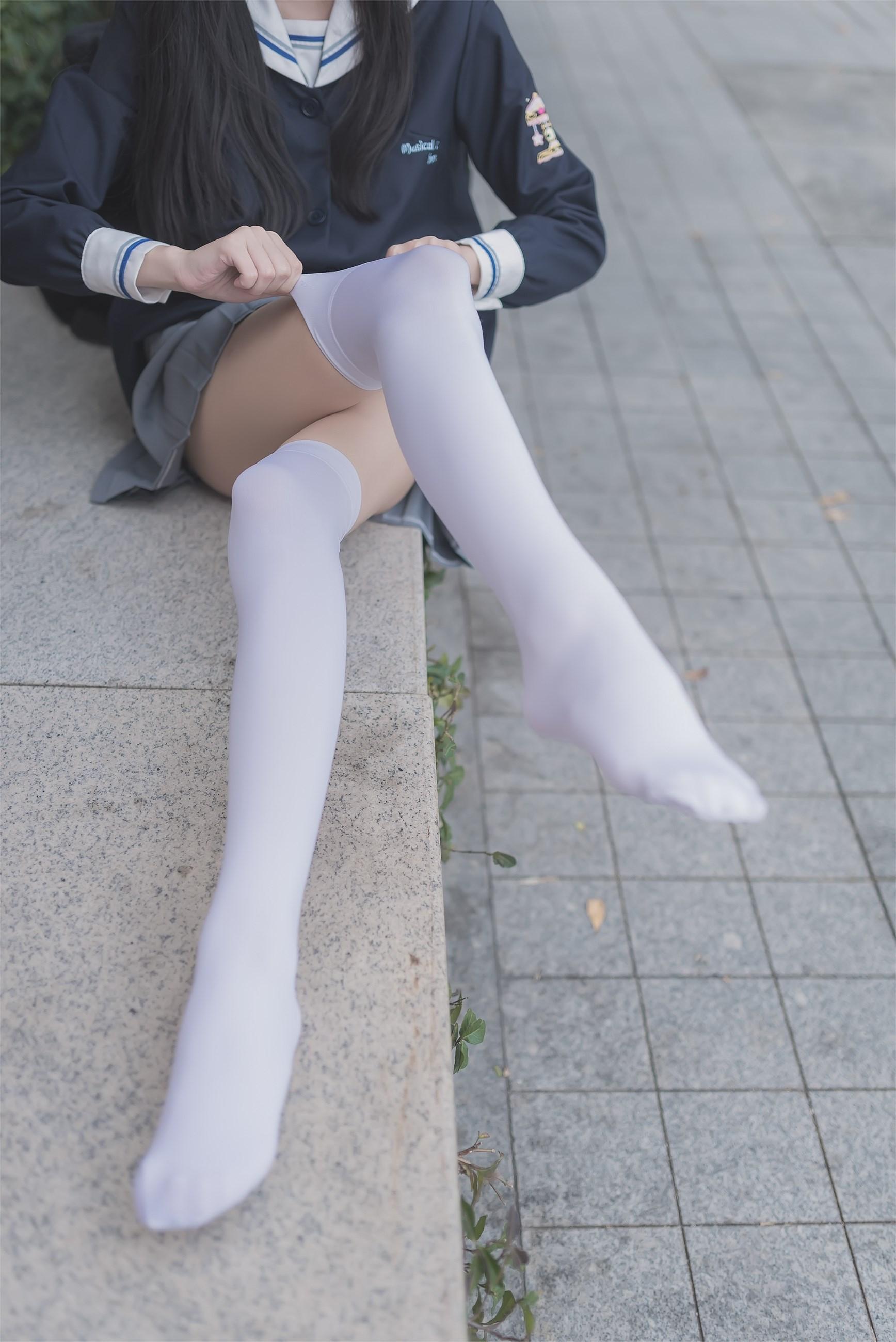 【兔玩映画】黑丝和白丝,你更喜欢哪个? 兔玩映画 第5张