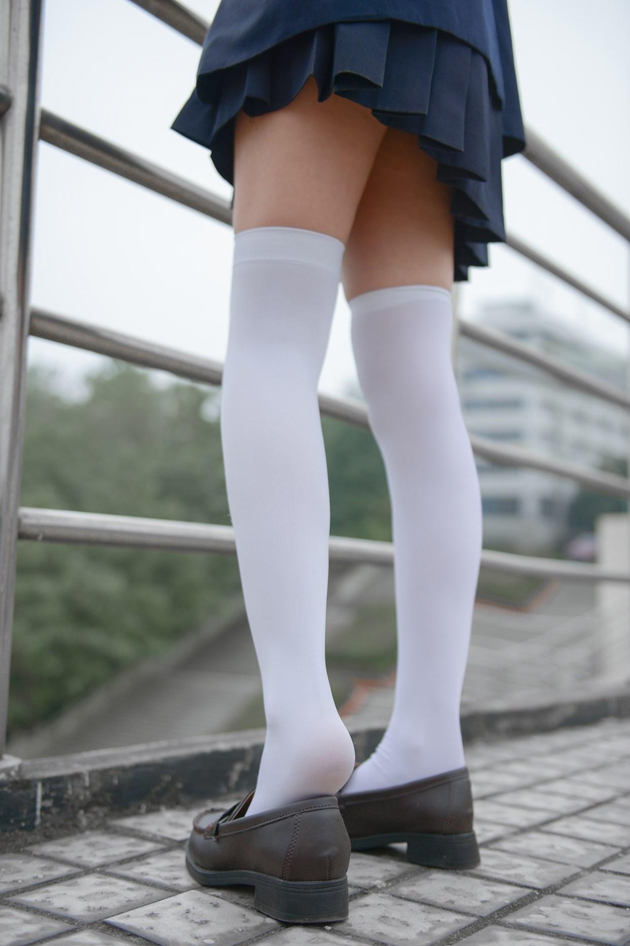 【兔玩映画】天台上的过膝少女 兔玩映画 第9张