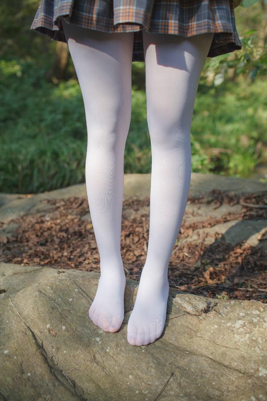 【兔玩映画】野外的萝莉白丝 兔玩映画 第17张