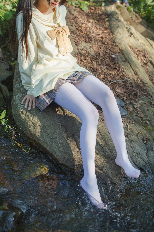 【兔玩映画】野外的萝莉白丝 兔玩映画 第15张