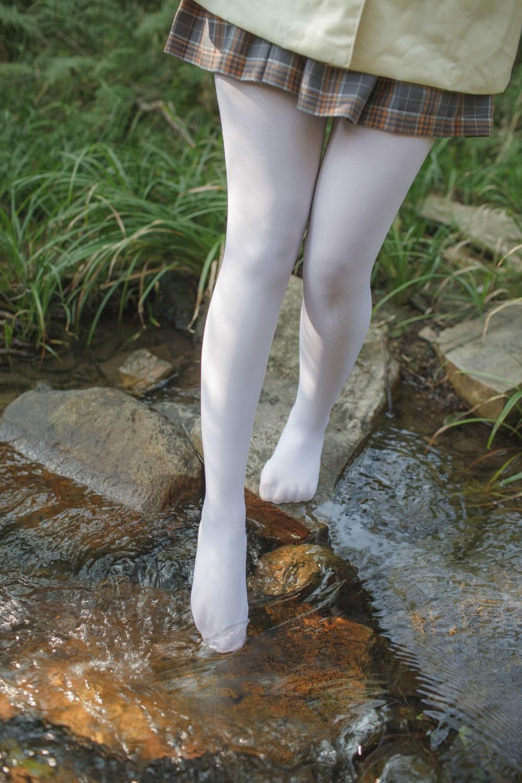 【兔玩映画】野外的萝莉白丝 兔玩映画 第14张