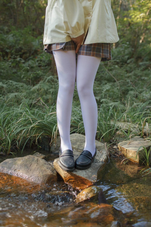 【兔玩映画】野外的萝莉白丝 兔玩映画 第11张
