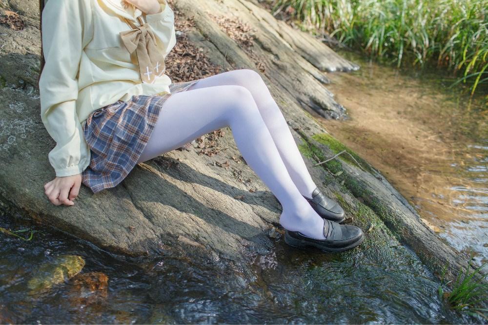 【兔玩映画】野外的萝莉白丝 兔玩映画 第7张