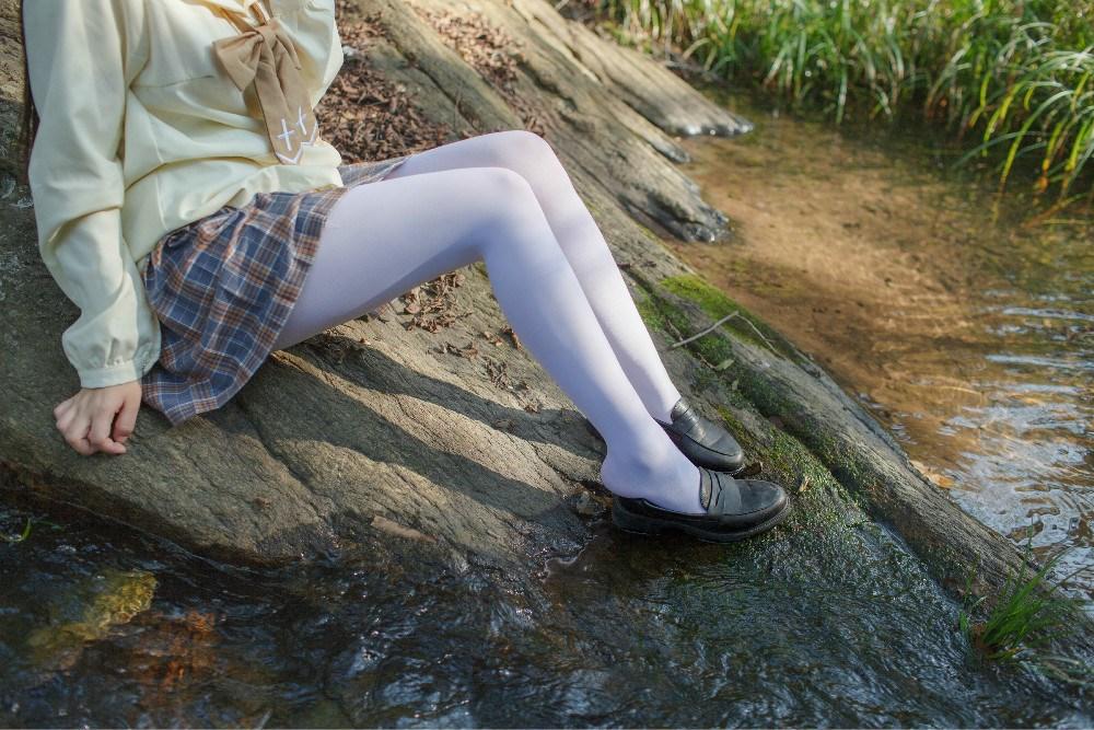 【兔玩映画】野外的萝莉白丝 兔玩映画 第6张