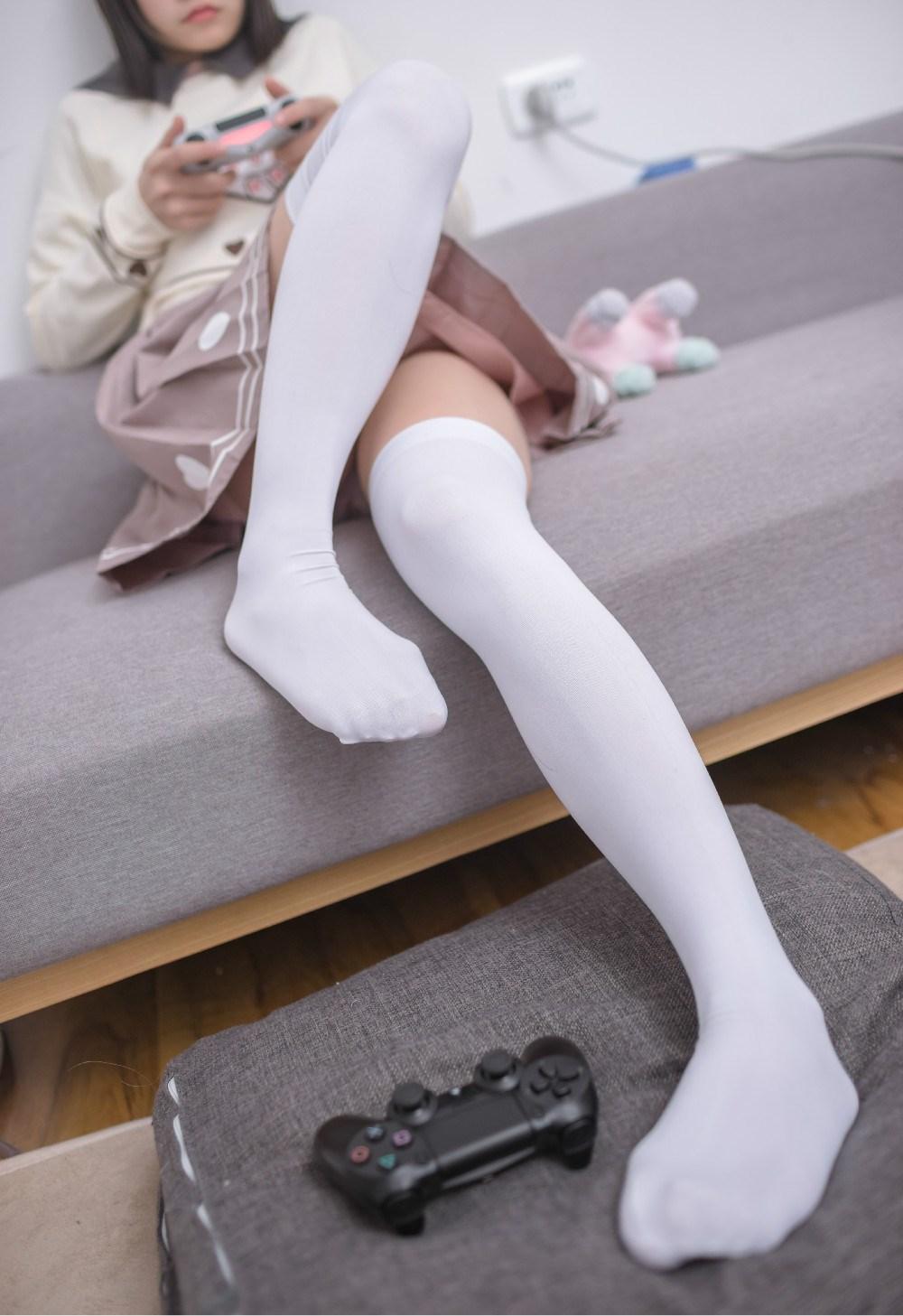 【兔玩映画】爱游戏的小宅女 兔玩映画 第1张