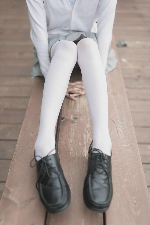 【兔玩映画】白丝过膝袜 兔玩映画 第2张