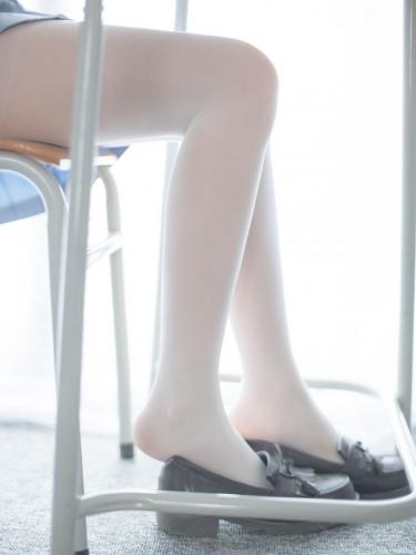 【森萝财团】森萝财团写真 – R15-027 完美丝足 [95P-479MB]