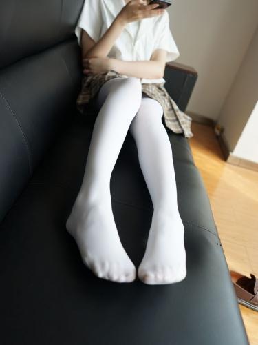 【森萝财团】森萝财团写真 – BETA-021 白丝格子裙 [212P-0.98GB]