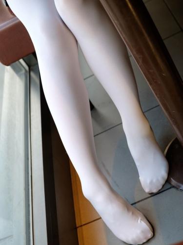 【森萝财团】森萝财团写真 – BETA-006黑丝白丝外拍 [101P-683MB]