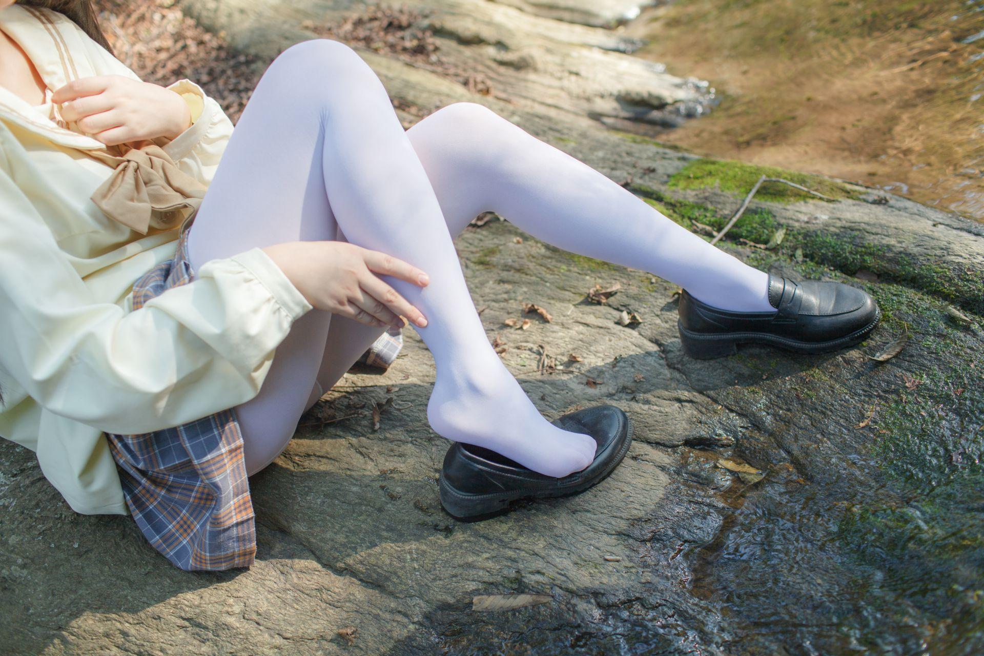 少女秩序 EXVOL.02 白丝户外 活捉野外小姐姐 兔玩映画 第8张